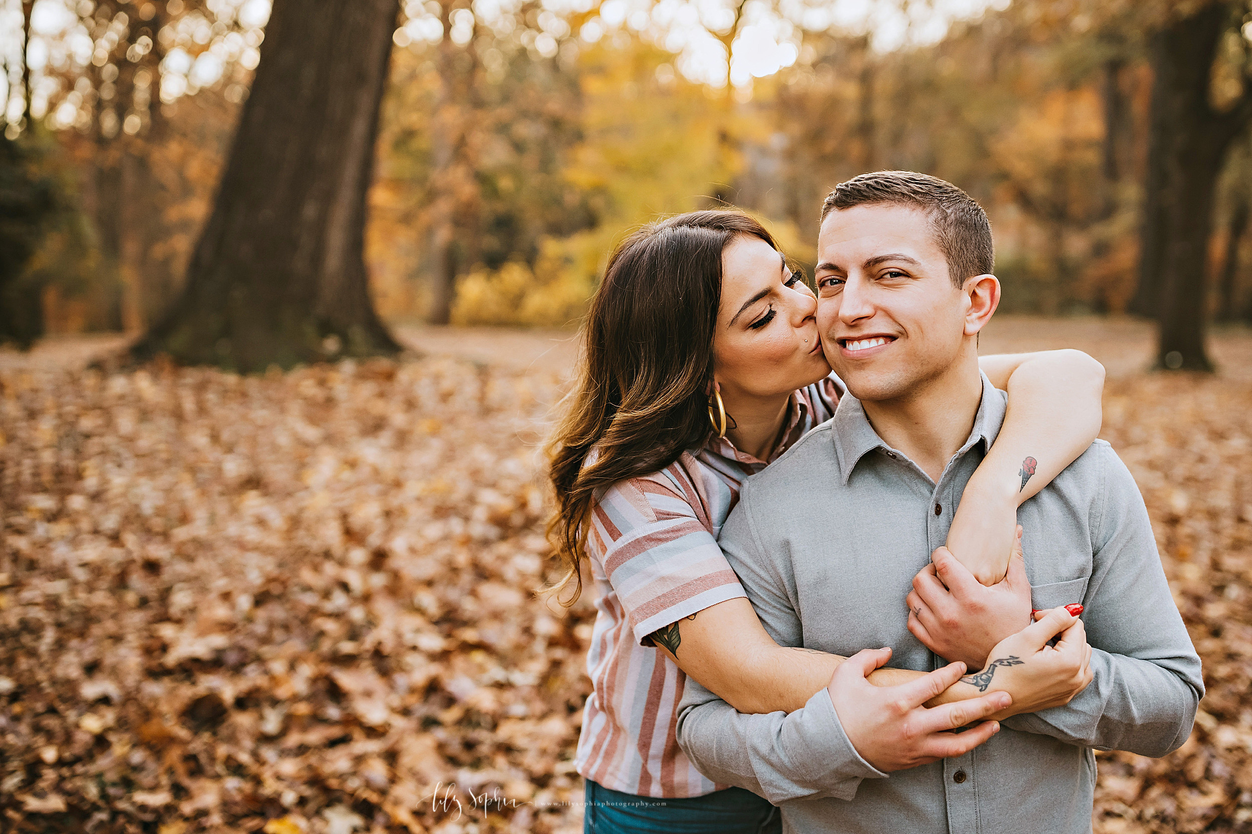 atlanta-reynoldstown-peoplestown-decatur-sandy-springs-buckhead-virginia-highlands-west-end-decatur-lily-sophia-photography-outdoor-fall-couples-photos_1485.jpg