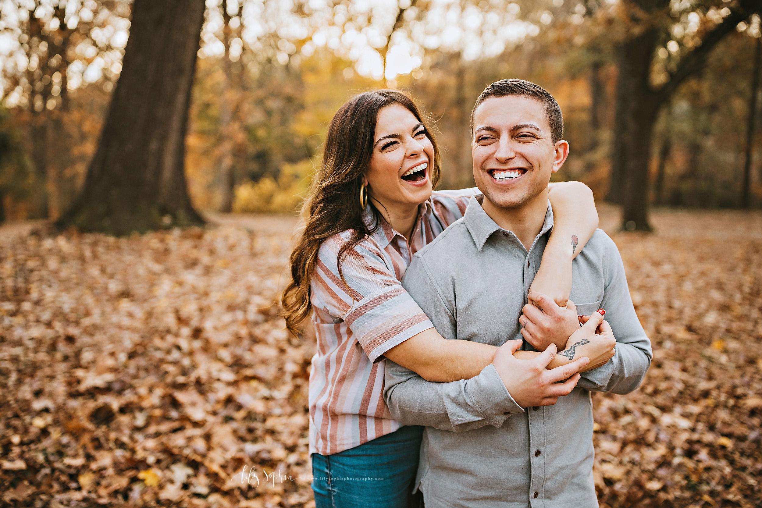atlanta-reynoldstown-peoplestown-decatur-sandy-springs-buckhead-virginia-highlands-west-end-decatur-lily-sophia-photography-outdoor-fall-couples-photos_1486.jpg