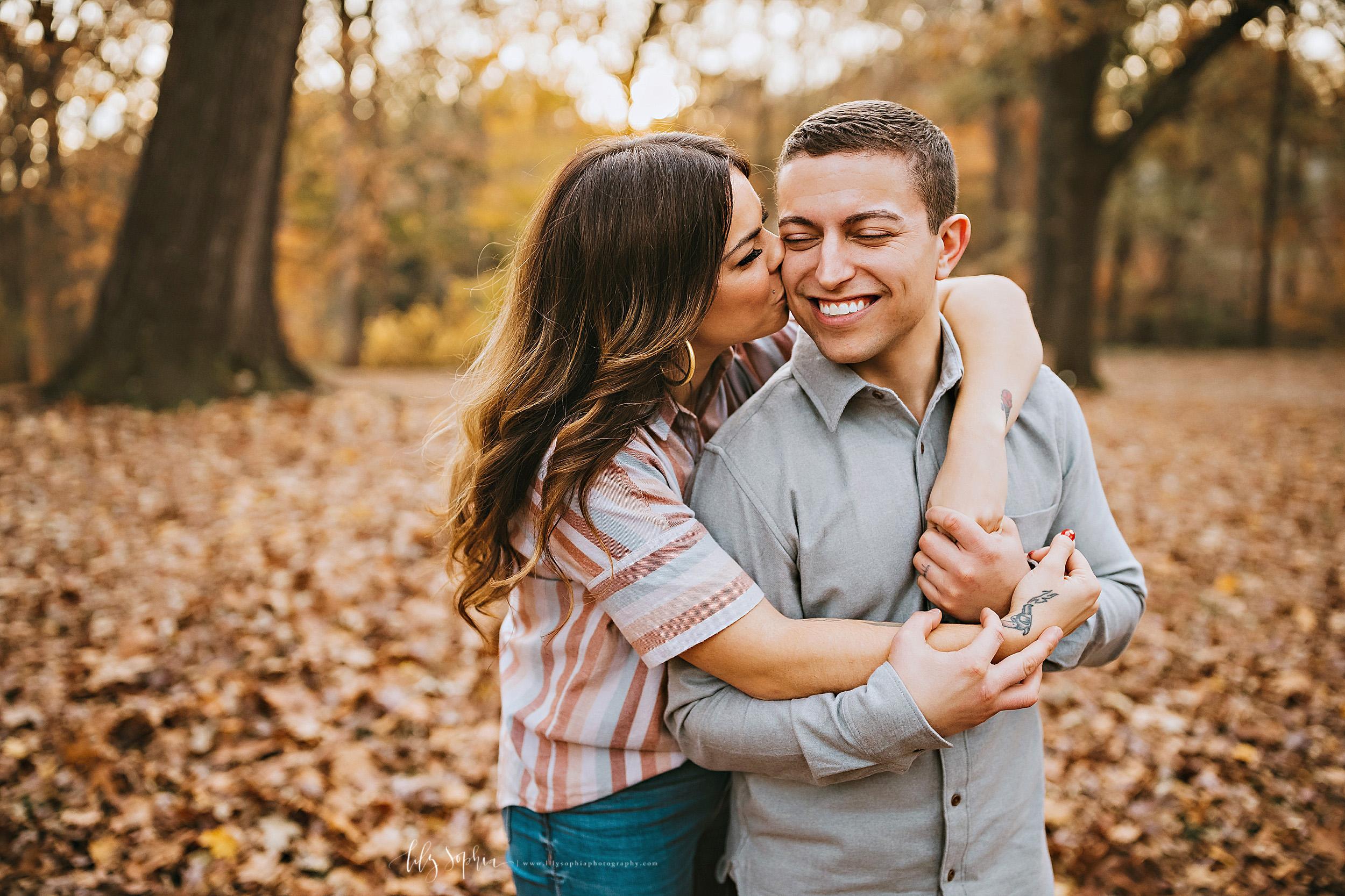 atlanta-reynoldstown-peoplestown-decatur-sandy-springs-buckhead-virginia-highlands-west-end-decatur-lily-sophia-photography-outdoor-fall-couples-photos_1487.jpg