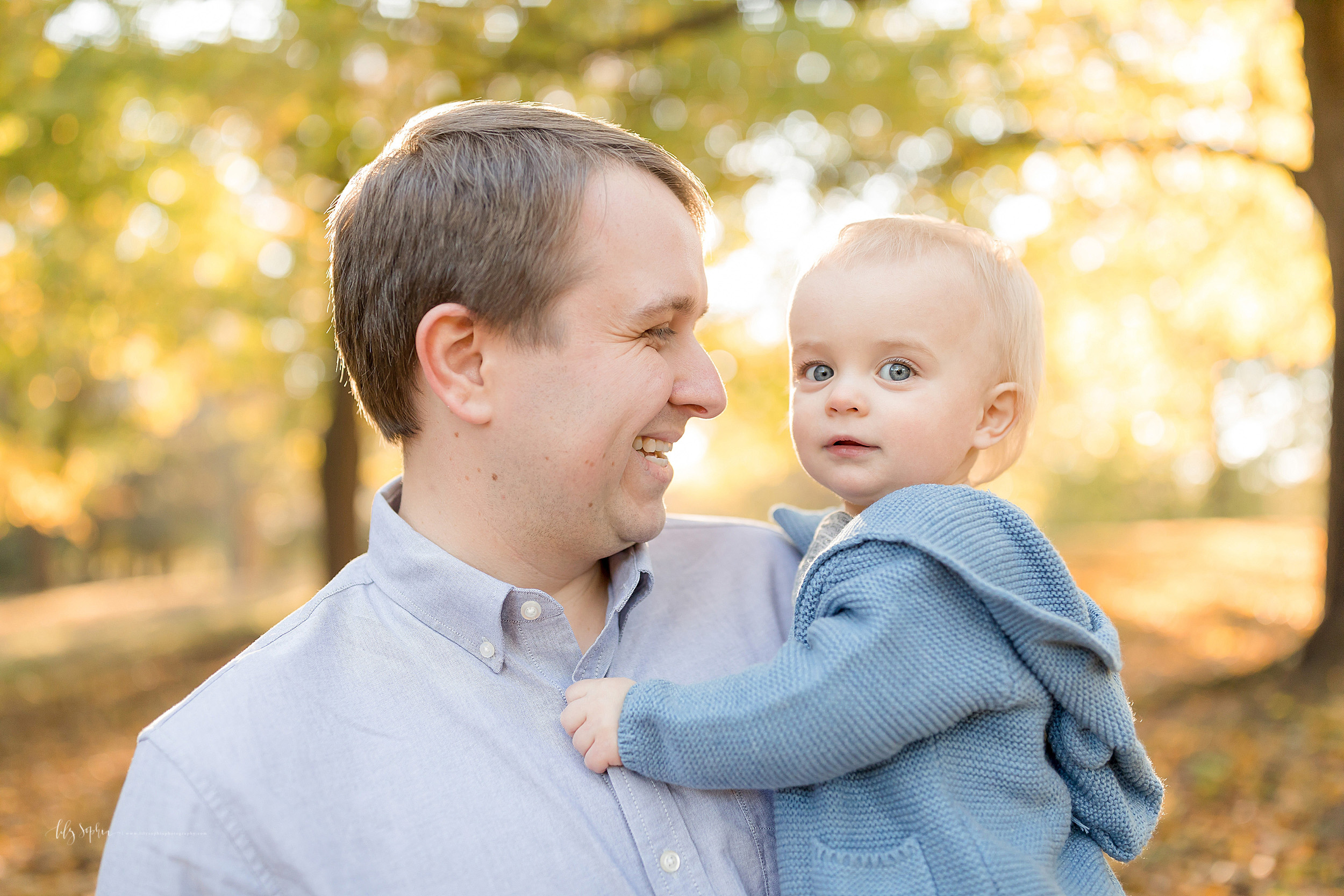 atlanta-brookhaven-decatur-sandy-springs-buckhead-virginia-highlands-west-end-decatur-lily-sophia-photography-ukraine-family-one-year-old-first-birthday-baby-boy-outdoor-fall-cake-smash_1523.jpg