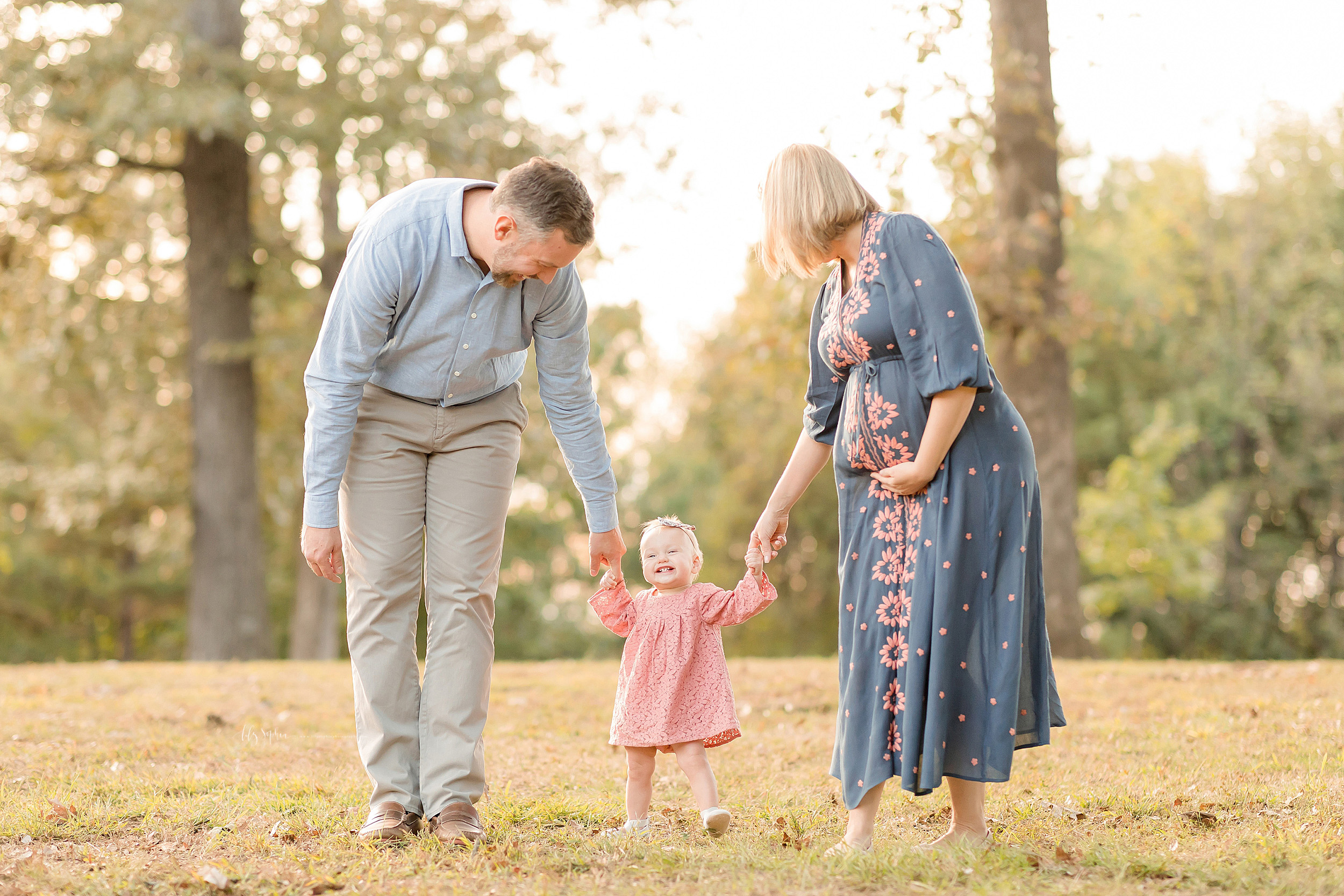 atlanta-brookhaven-decatur-sandy-springs-buckhead-virginia-highlands-west-end-decatur-lily-sophia-photography-outdoor-family-photos-milestone-fall-baby-girl_1542.jpg
