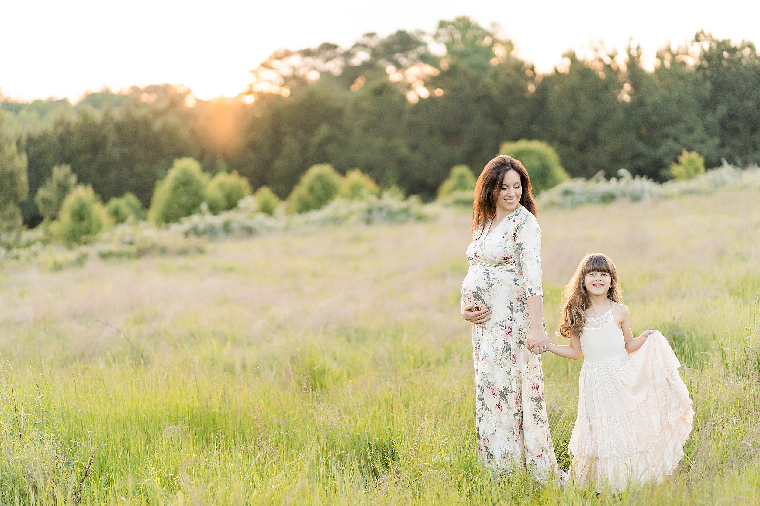 atlanta-brookhaven-decatur-candler-park-sandy-springs-buckhead-virginia-highlands-west-end-decatur-lily-sophia-photography-family-big-sisters-expecting-newborn-baby-couples-family-maternity-outdoor-session_1630.jpg