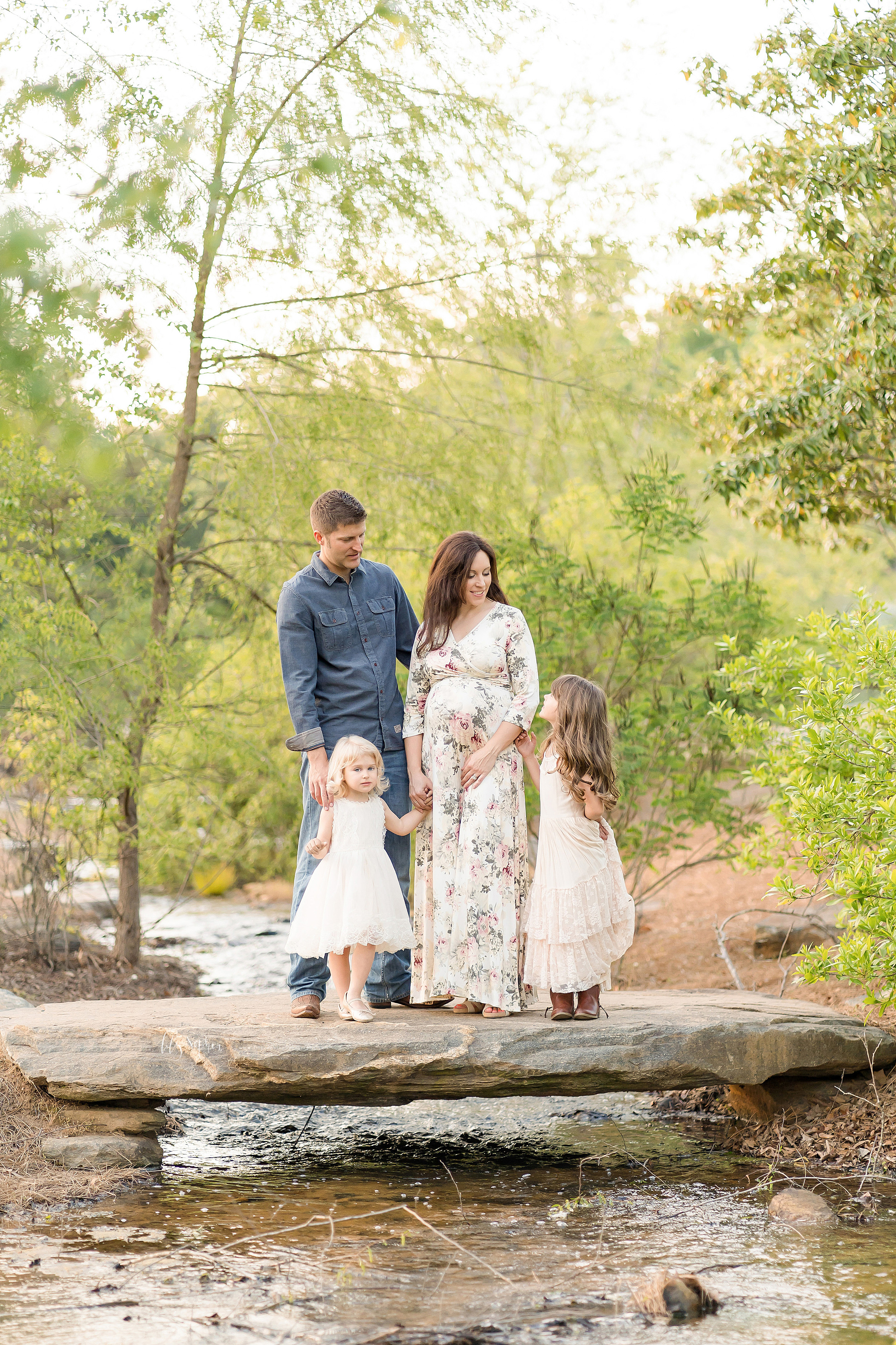 atlanta-brookhaven-decatur-candler-park-sandy-springs-buckhead-virginia-highlands-west-end-decatur-lily-sophia-photography-family-big-sisters-expecting-newborn-baby-couples-family-maternity-outdoor-session_1632.jpg