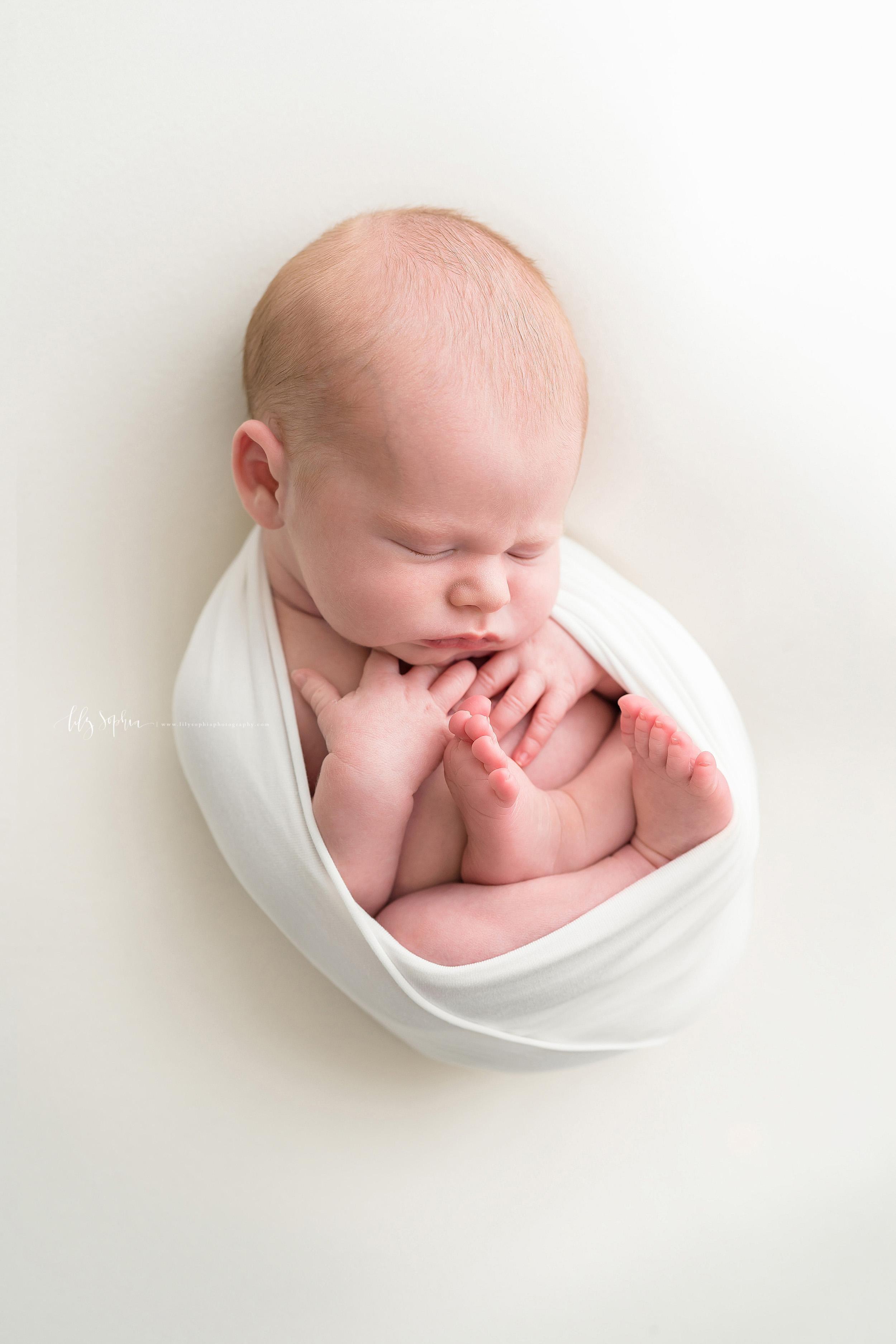 atlanta-decatur-candler-park-sandy-springs-buckhead-virginia-highlands-west-end-decatur-lily-sophia-photography-studio-newborn-baby-boy-family-photos_1736.jpg