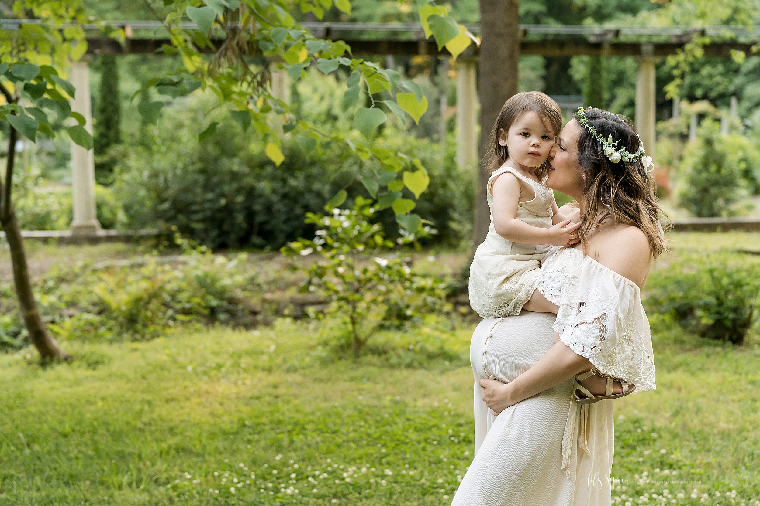 atlanta-decatur-acworth-candler-park-sandy-springs-buckhead-virginia-highlands-west-end-decatur-lily-sophia-photography-gardens-maternity-couples-family-photos-toddler-girl-expecting-newborn-baby-girl-sister_1697.jpg