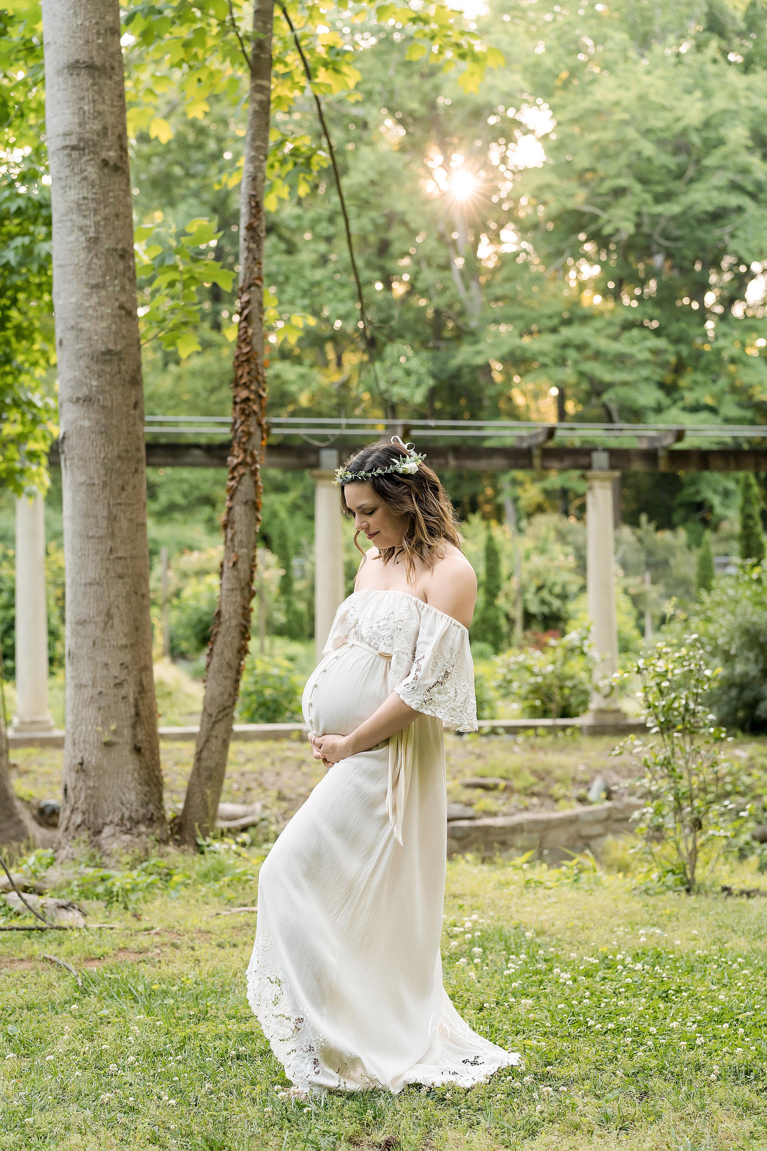 atlanta-decatur-acworth-candler-park-sandy-springs-buckhead-virginia-highlands-west-end-decatur-lily-sophia-photography-gardens-maternity-couples-family-photos-toddler-girl-expecting-newborn-baby-girl-sister_1700.jpg