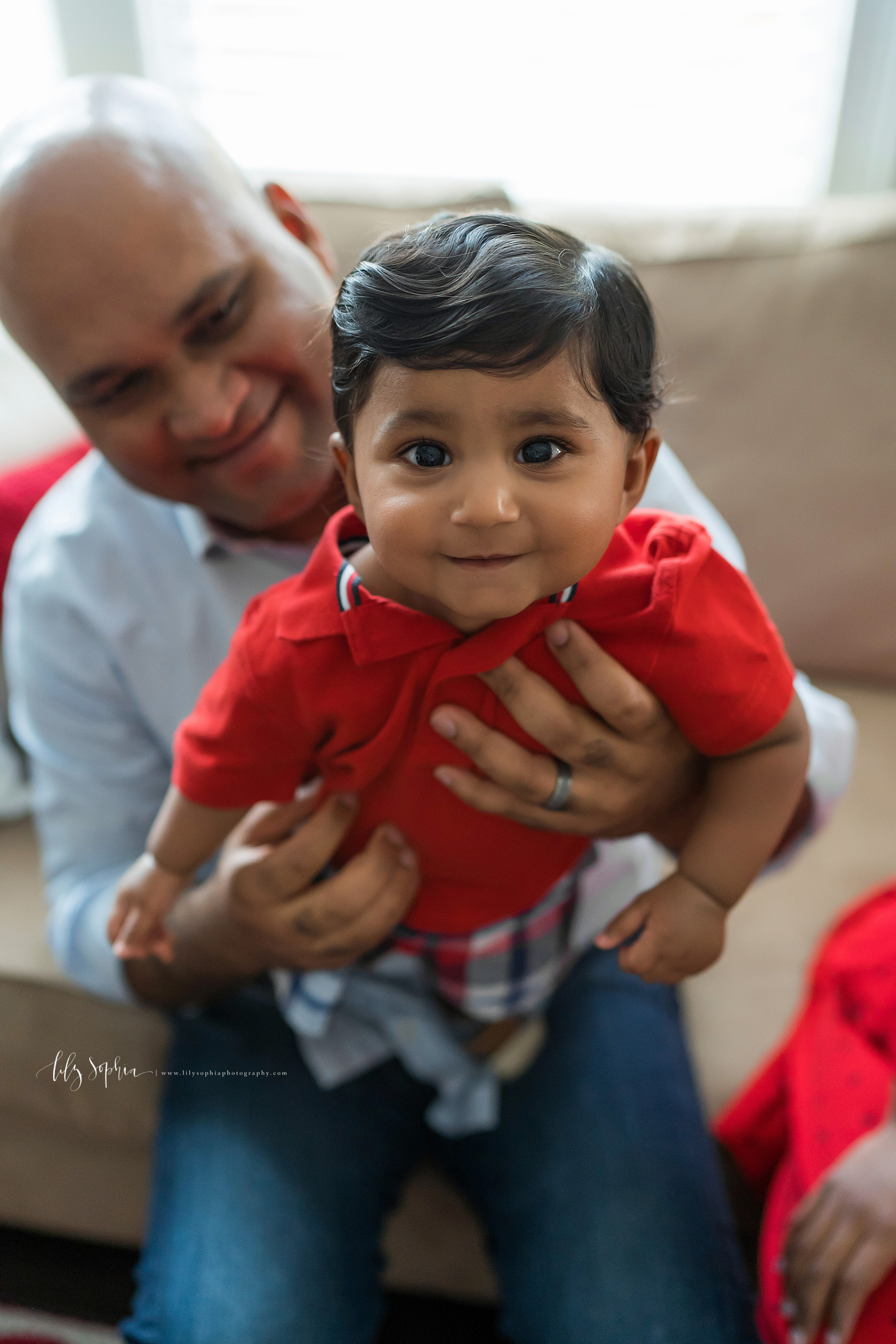 atlanta-brookhaven-east-cobb-marietta-candler-park-sandy-springs-buckhead-virginia-highlands-west-end-decatur-lily-sophia-photography-in-home-lifestyle-session-eight-month-milestone-indian-family_1649.jpg