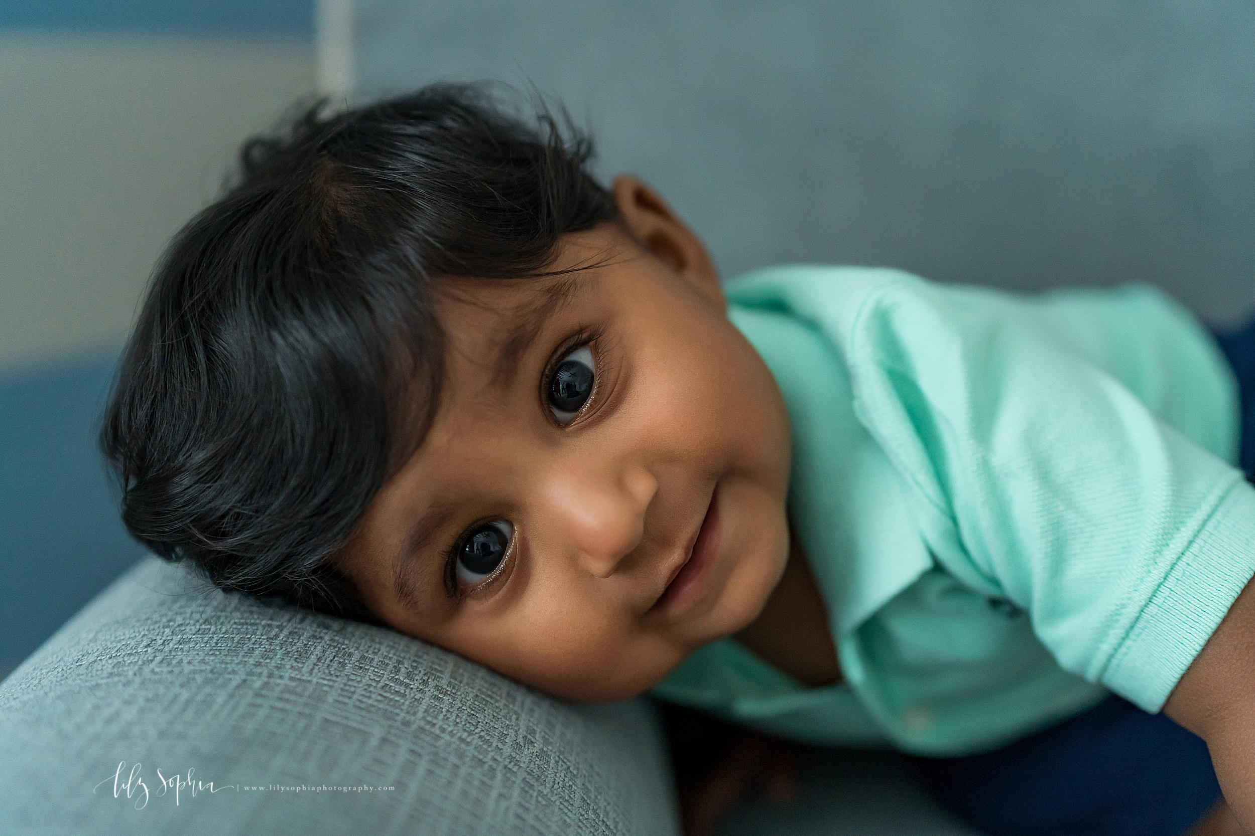 atlanta-brookhaven-east-cobb-marietta-candler-park-sandy-springs-buckhead-virginia-highlands-west-end-decatur-lily-sophia-photography-in-home-lifestyle-session-eight-month-milestone-indian-family_1660.jpg