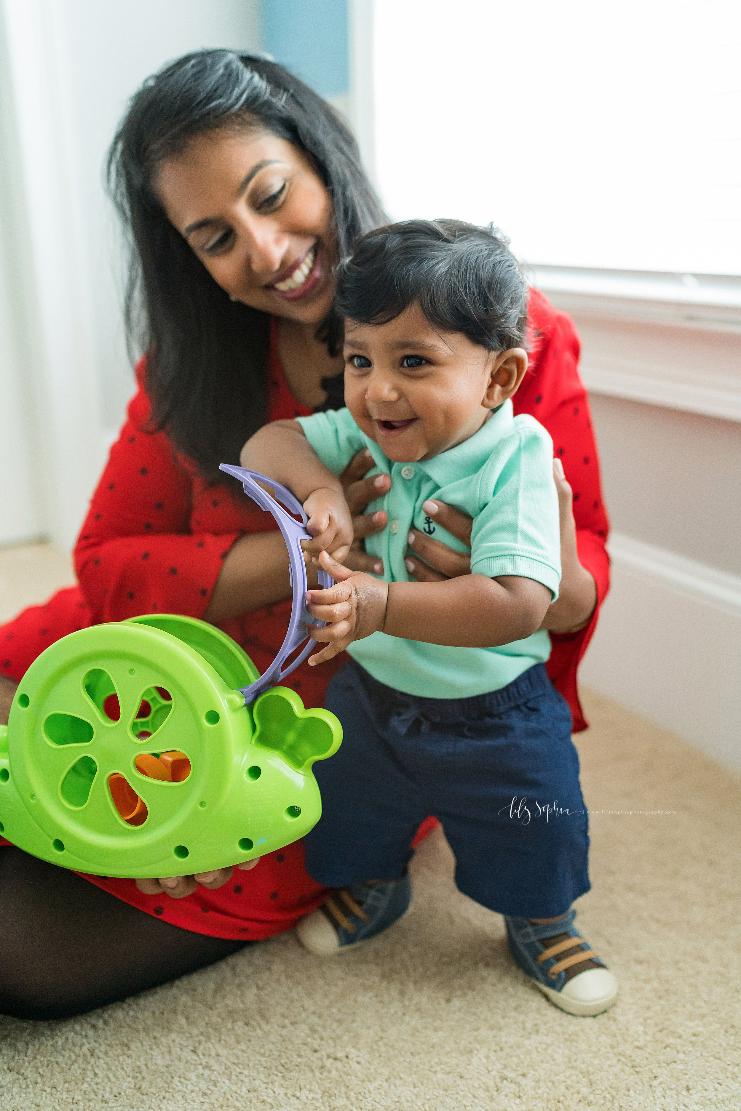 atlanta-brookhaven-east-cobb-marietta-candler-park-sandy-springs-buckhead-virginia-highlands-west-end-decatur-lily-sophia-photography-in-home-lifestyle-session-eight-month-milestone-indian-family_1661.jpg