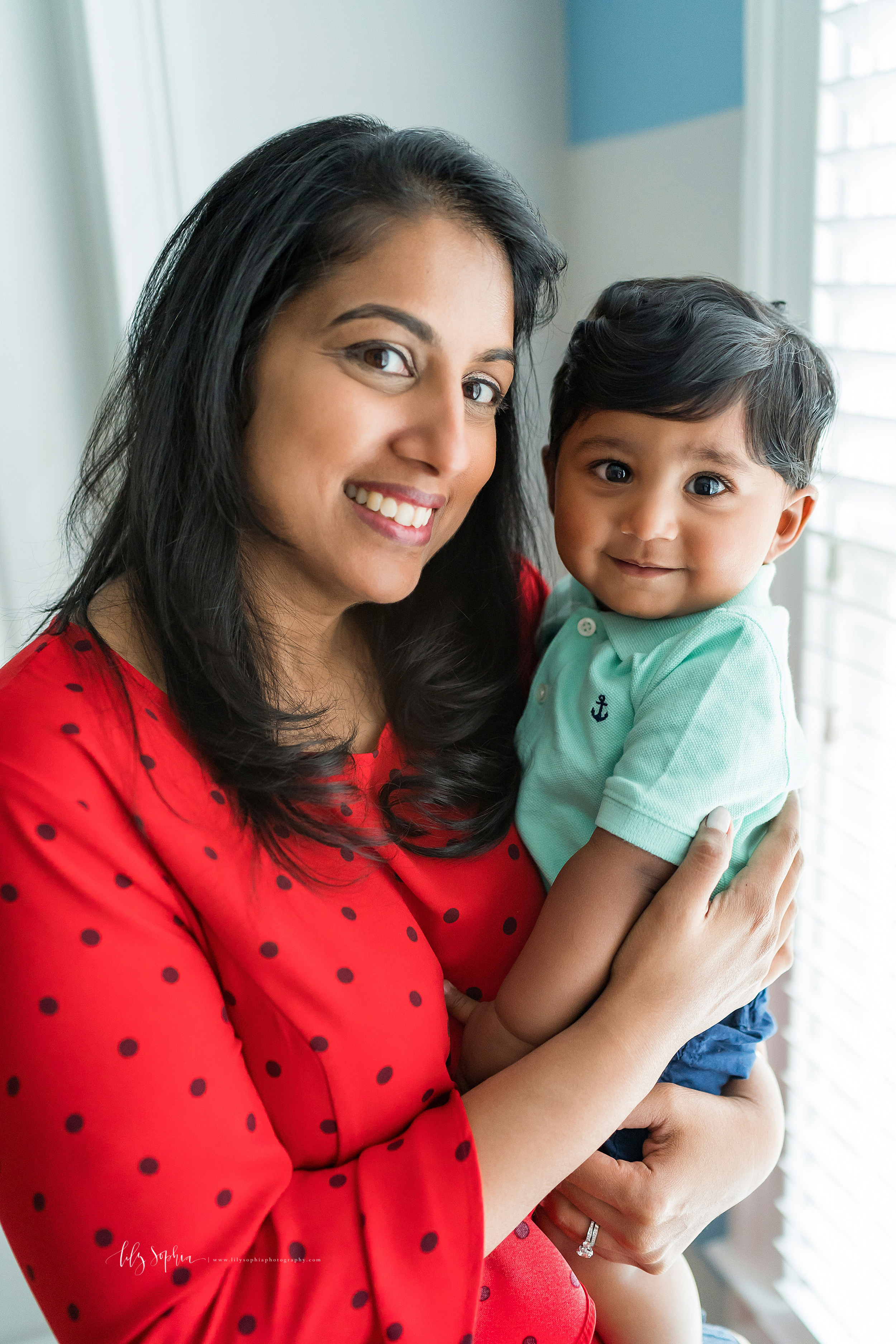 atlanta-brookhaven-east-cobb-marietta-candler-park-sandy-springs-buckhead-virginia-highlands-west-end-decatur-lily-sophia-photography-in-home-lifestyle-session-eight-month-milestone-indian-family_1664.jpg
