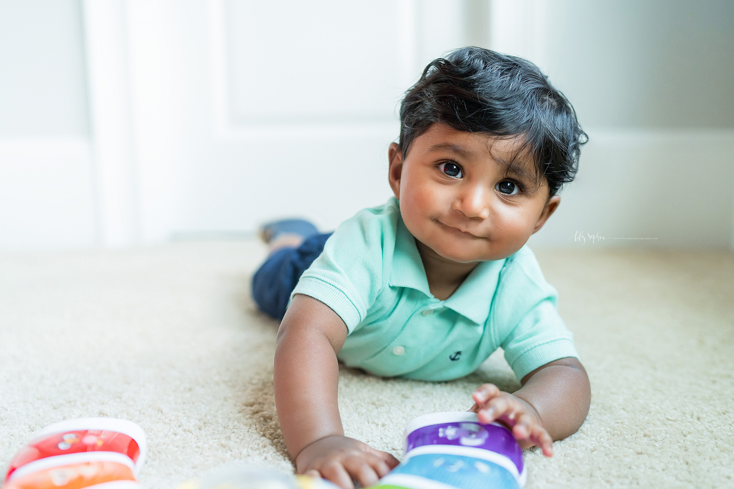 atlanta-brookhaven-east-cobb-marietta-candler-park-sandy-springs-buckhead-virginia-highlands-west-end-decatur-lily-sophia-photography-in-home-lifestyle-session-eight-month-milestone-indian-family_1669.jpg