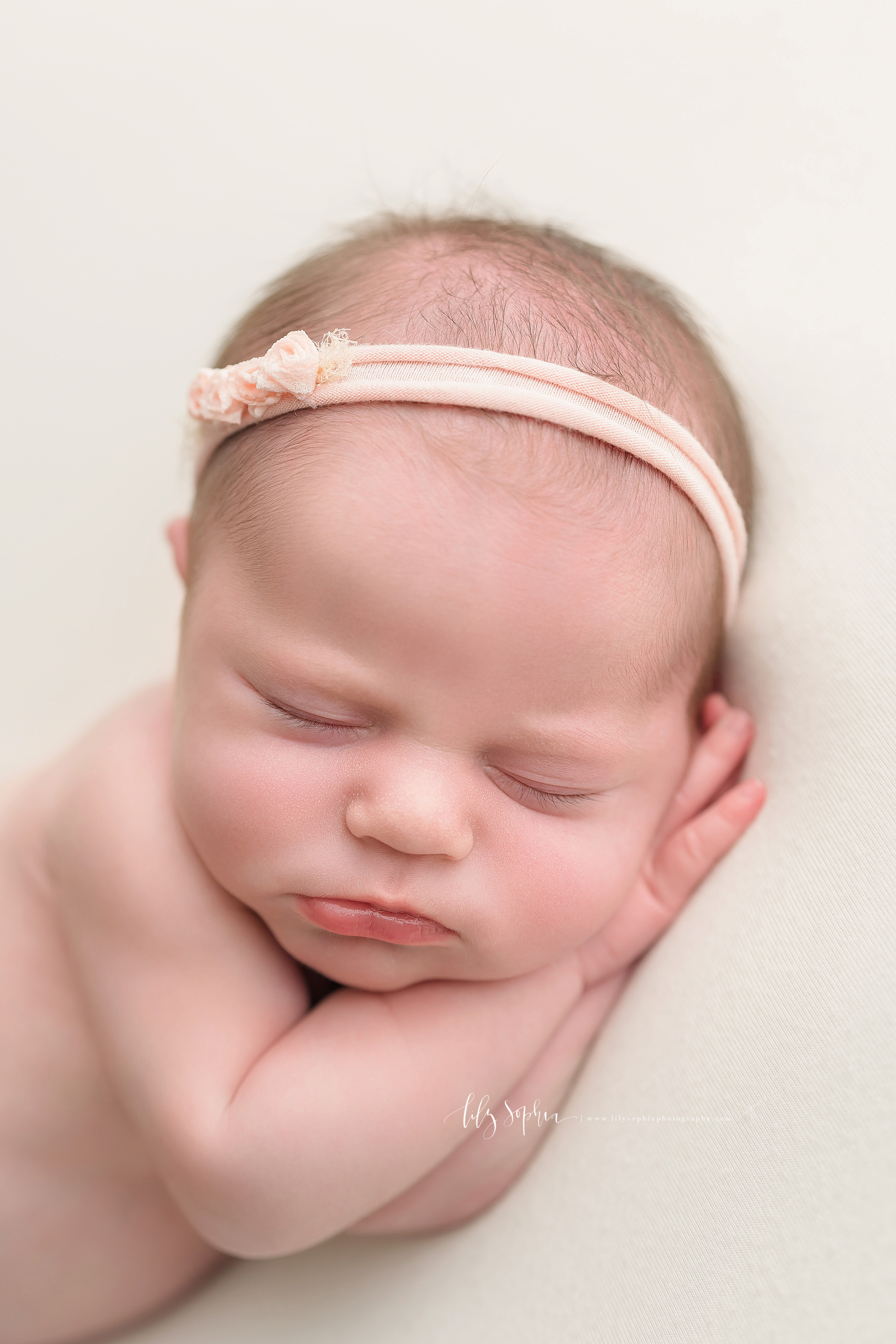 atlanta-decatur-candler-park-sandy-springs-buckhead-virginia-highlands-west-end-decatur-lily-sophia-photography-studio-newborn-baby-girl-family-parents-session_1835.jpg