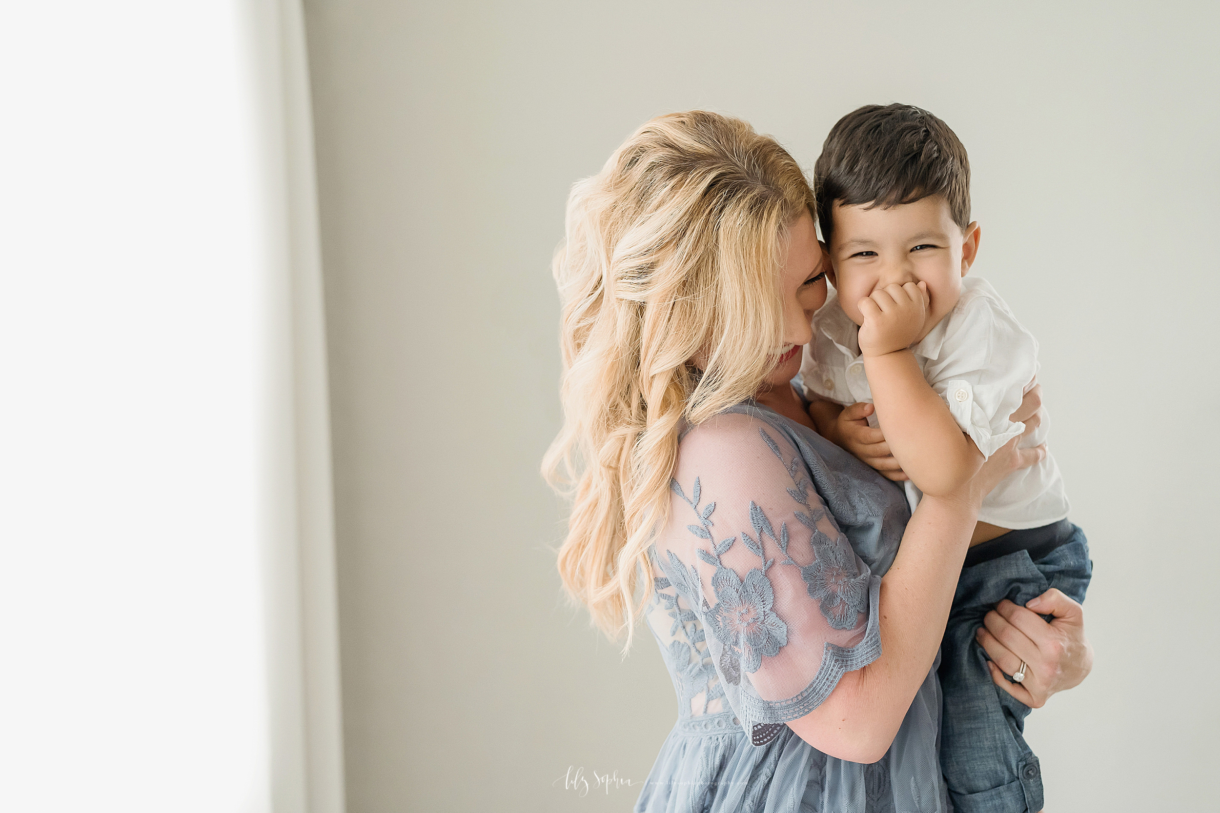atlanta-decatur-candler-park-sandy-springs-buckhead-virginia-highlands-west-end-decatur-lily-sophia-photography-six-month-sitting-milestone-family-toddler-big-brother-session_2019.jpg
