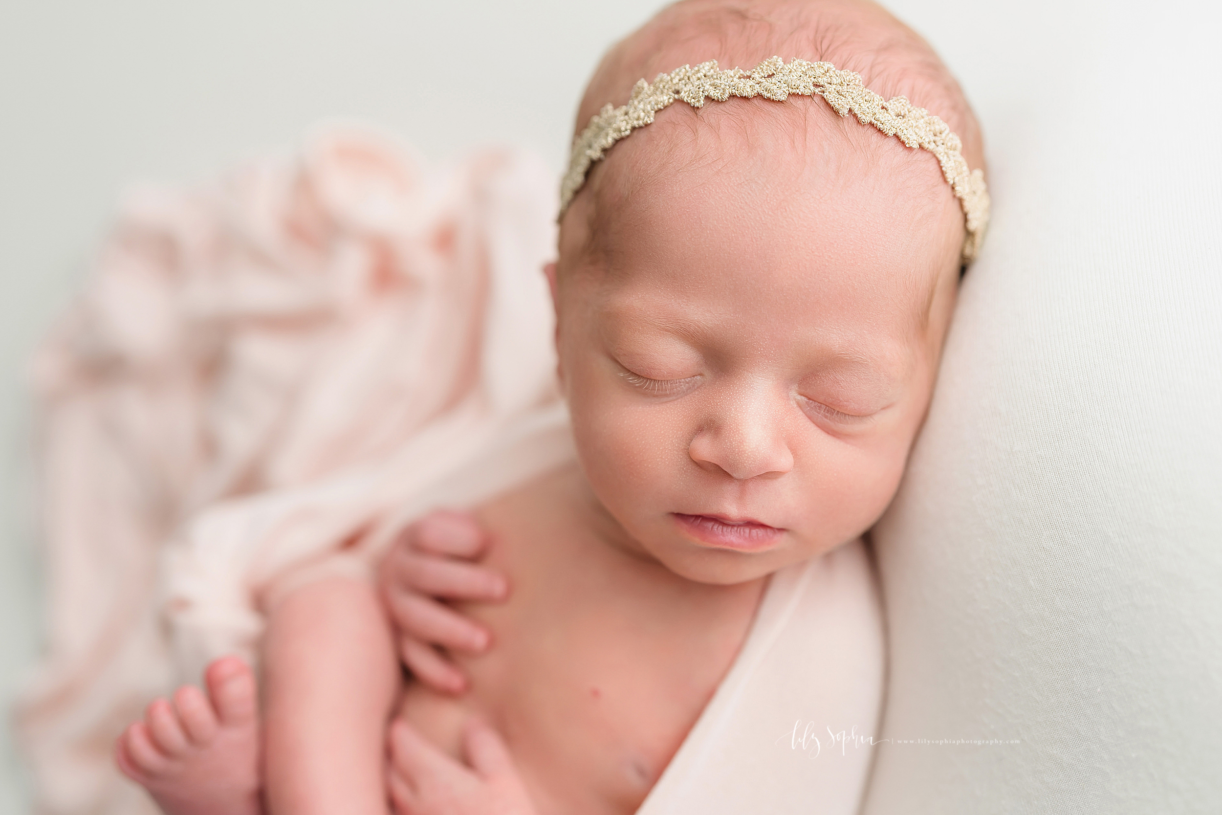 atlanta-decatur-candler-park-sandy-springs-buckhead-virginia-highlands-west-end-decatur-lily-sophia-photography-identical-twin-baby-newborn-girls-toddler-big-brother-family-photos_2041.jpg