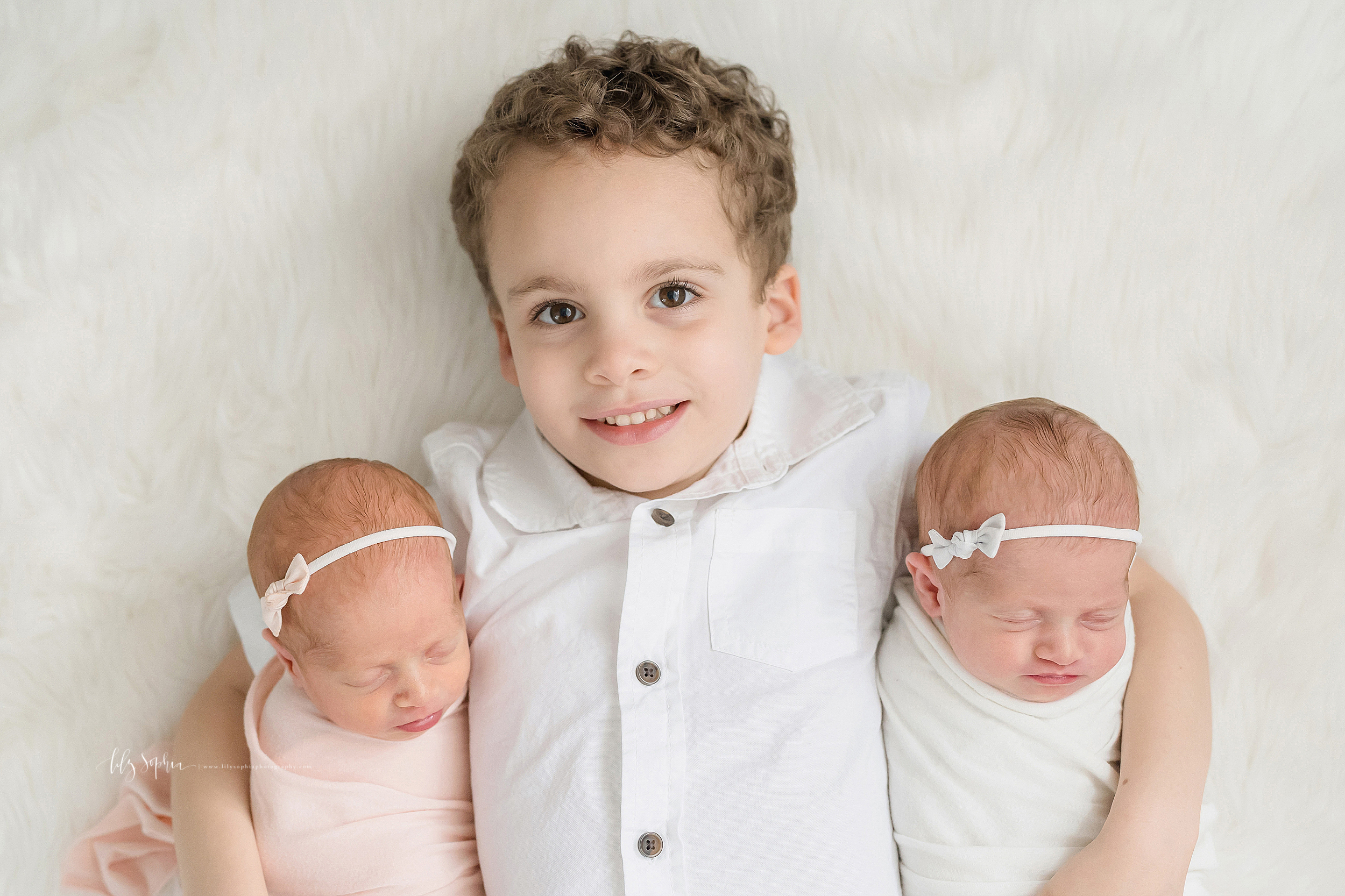 atlanta-decatur-candler-park-sandy-springs-buckhead-virginia-highlands-west-end-decatur-lily-sophia-photography-identical-twin-baby-newborn-girls-toddler-big-brother-family-photos_2053.jpg