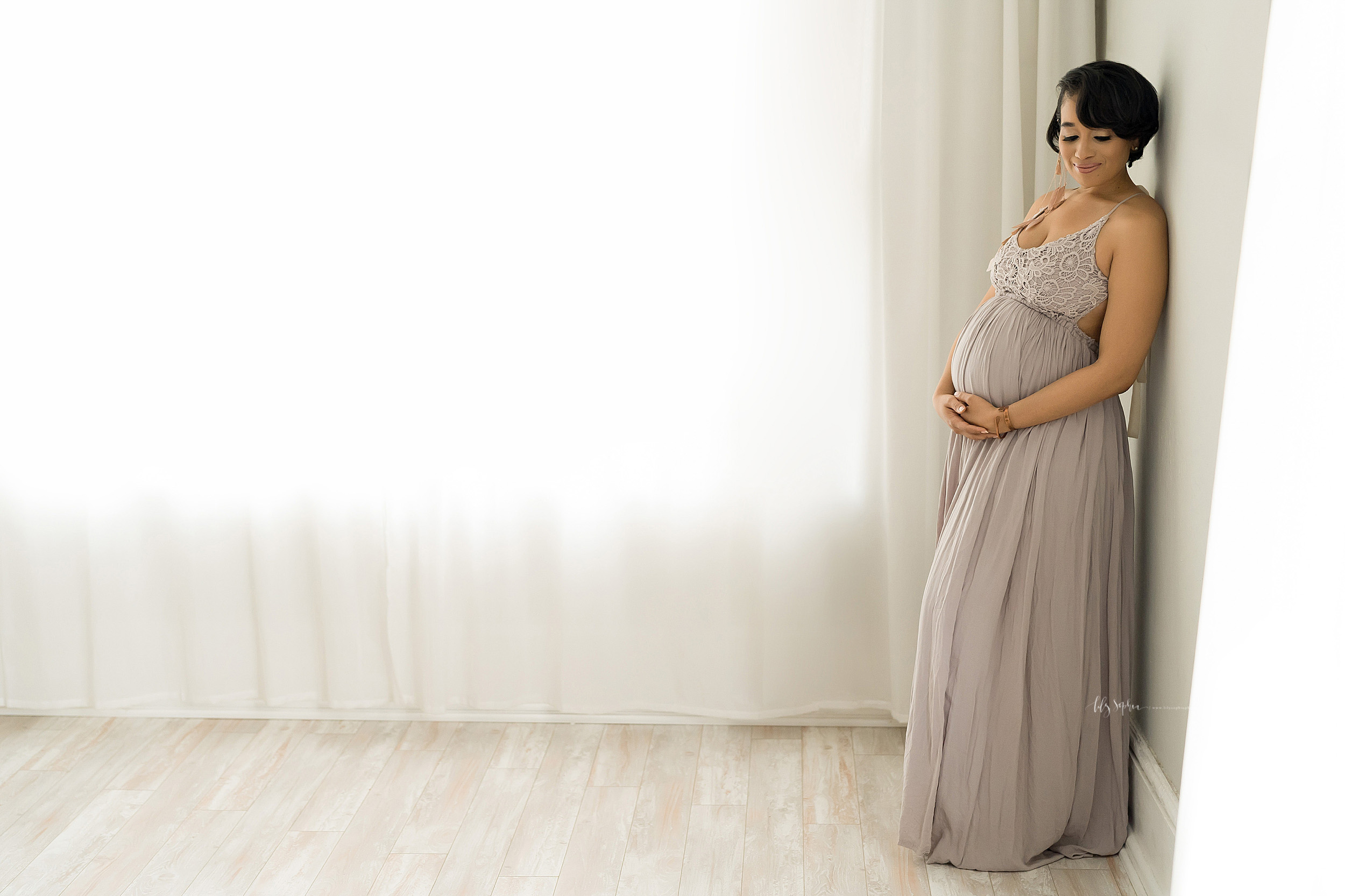 atlanta-decatur-candler-park-sandy-springs-buckhead-virginia-highlands-west-end-decatur-lily-sophia-photography-african-american-couple-expecting-baby-maternity-studio-photos_2166.jpg