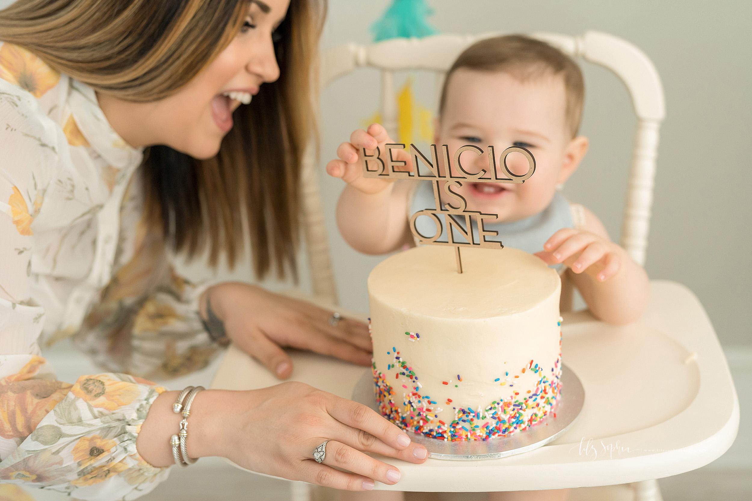 atlanta-decatur-candler-park-sandy-springs-buckhead-virginia-highlands-west-end-decatur-lily-sophia-photography-one-year-old-baby-boy-milestone-studio-family-photos-first-birthday-sprinkle-cake-smash_2212.jpg