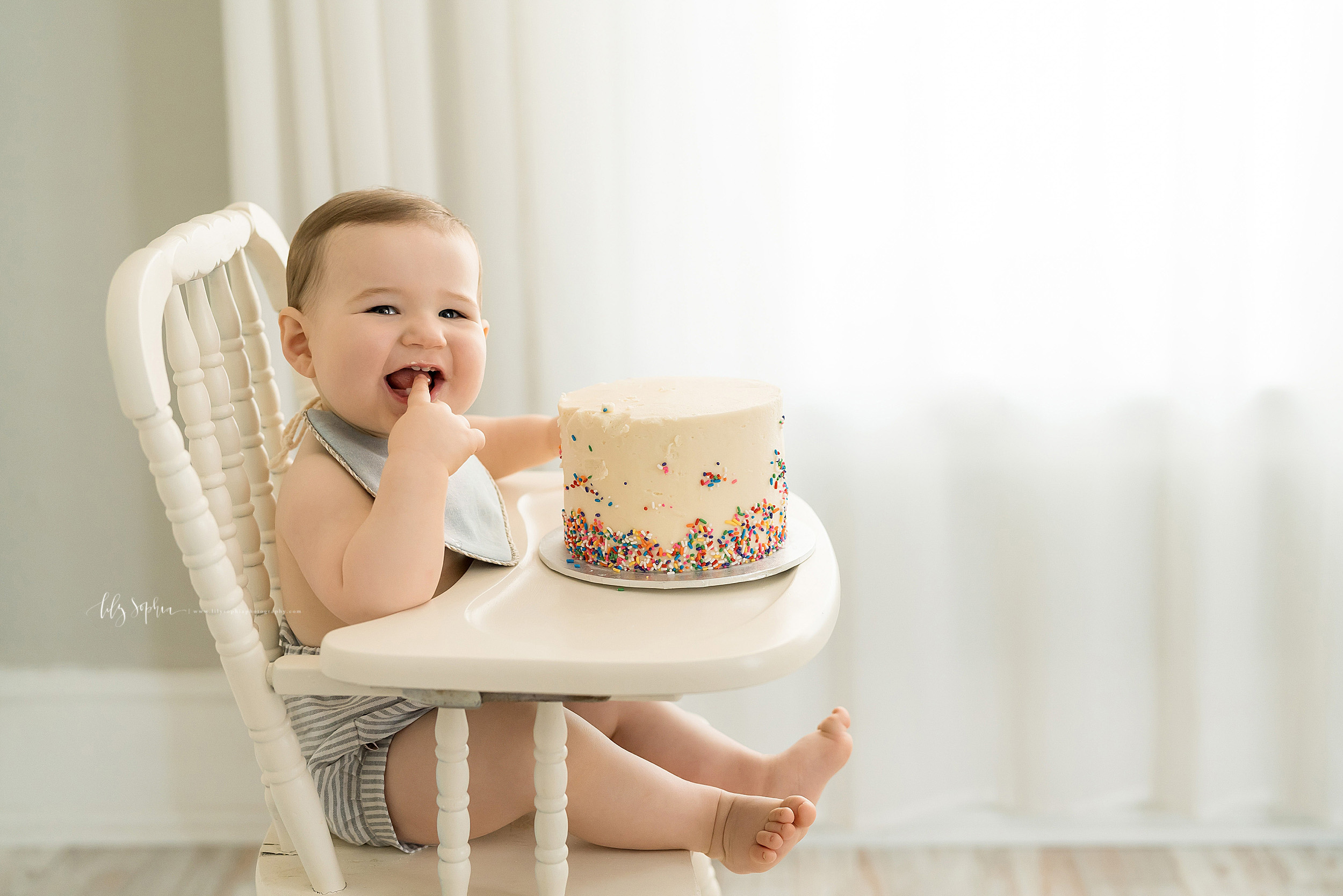 atlanta-decatur-candler-park-sandy-springs-buckhead-virginia-highlands-west-end-decatur-lily-sophia-photography-one-year-old-baby-boy-milestone-studio-family-photos-first-birthday-sprinkle-cake-smash_2216.jpg