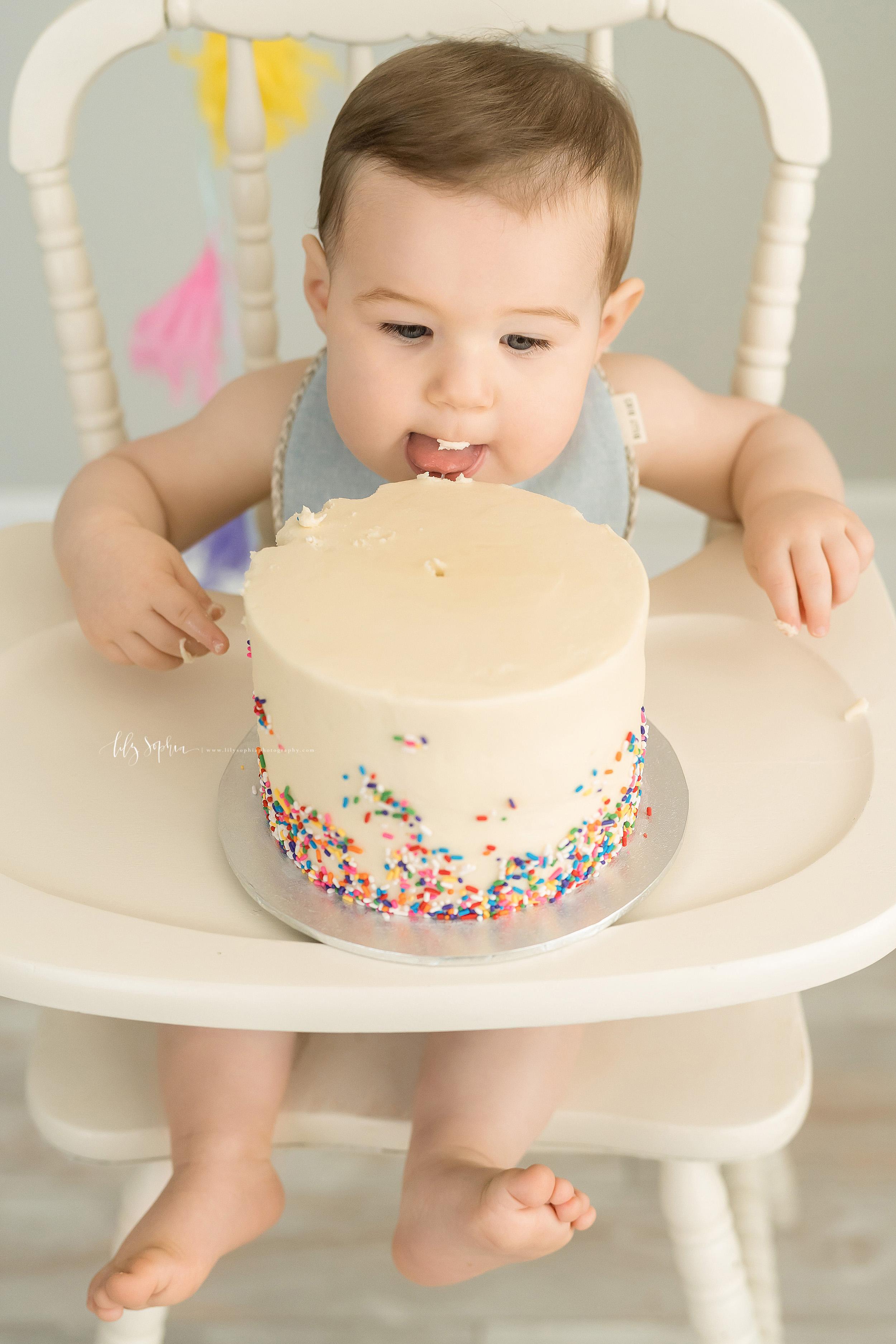 atlanta-decatur-candler-park-sandy-springs-buckhead-virginia-highlands-west-end-decatur-lily-sophia-photography-one-year-old-baby-boy-milestone-studio-family-photos-first-birthday-sprinkle-cake-smash_2215.jpg