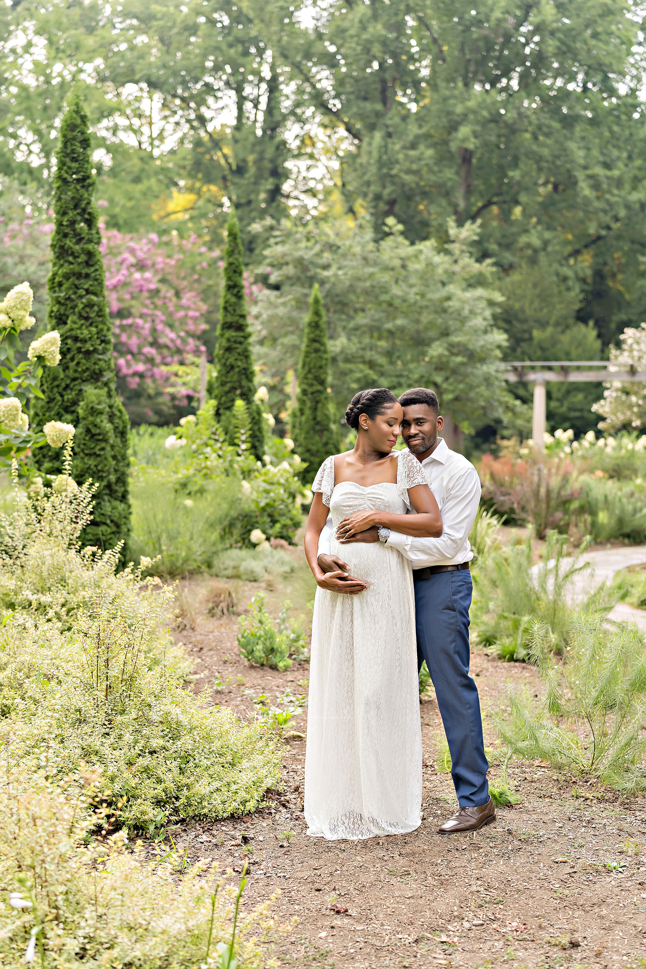 atlanta-decatur-candler-park-sandy-springs-buckhead-virginia-highlands-west-end-decatur-lily-sophia-photography-african-american-couple-expecting-baby-outdoor-garden-sunset-maternity-pictures_2240.jpg