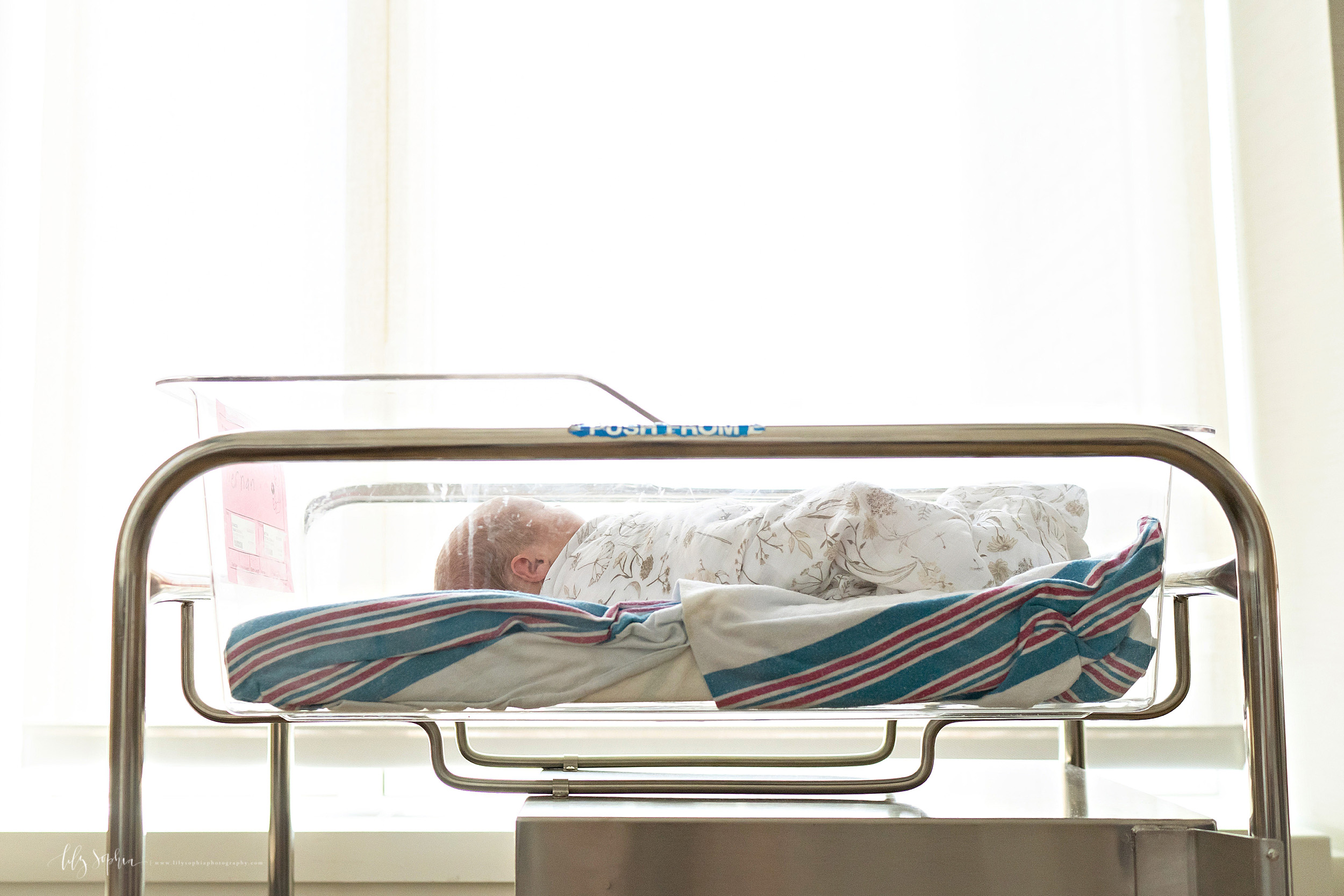 atlanta-decatur-candler-park-sandy-springs-buckhead-virginia-highlands-west-end-decatur-lily-sophia-photography-newborn-baby-girl-hospital-lifestyle-fresh-48-photos_2288.jpg