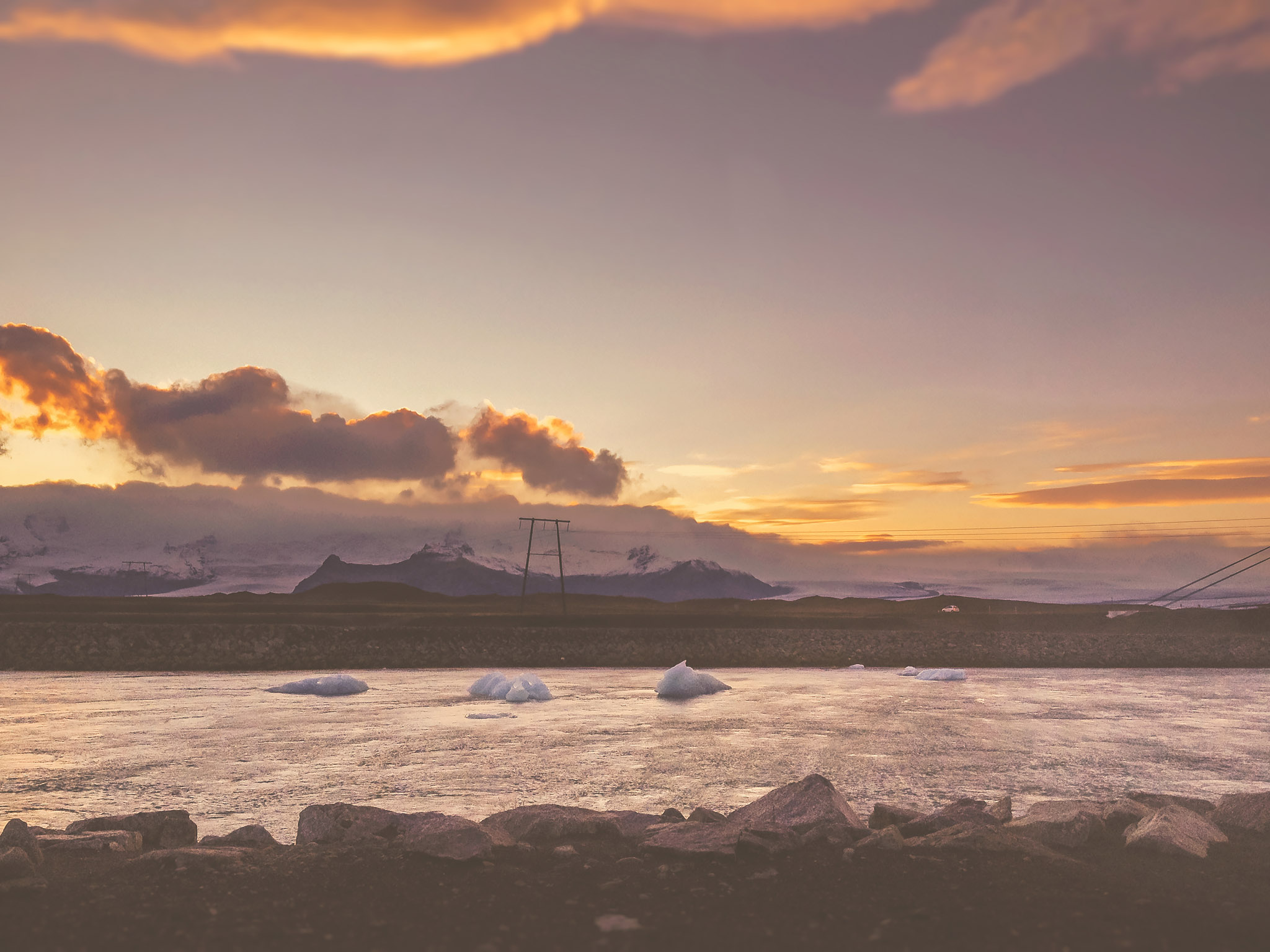 ICELAND-IPHONE-WEB-10.jpg