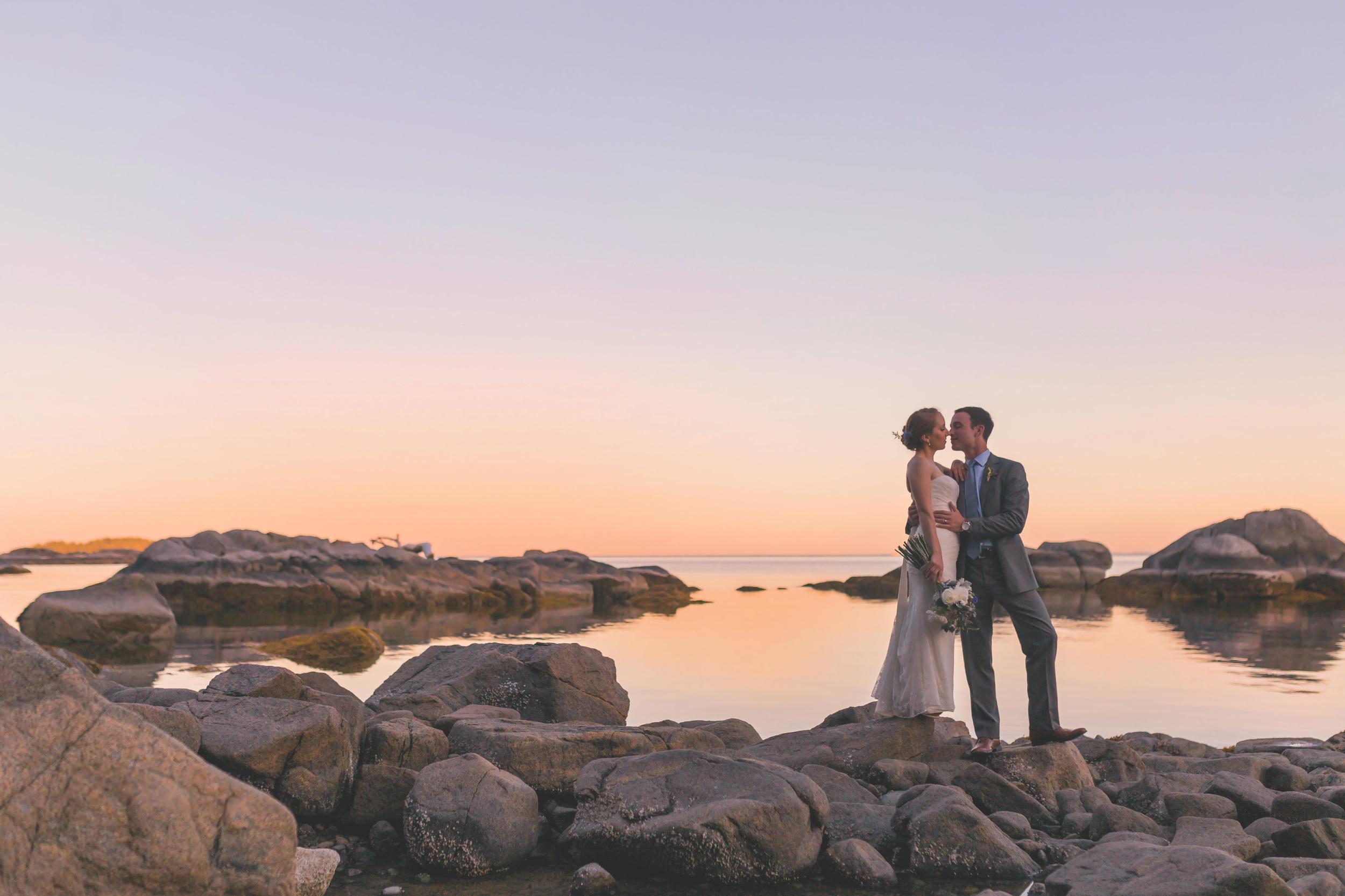 sunshine coast bc wedding photographer, pointhouse at sargeant bay, wedding venue, sunset, jennifer picard photography