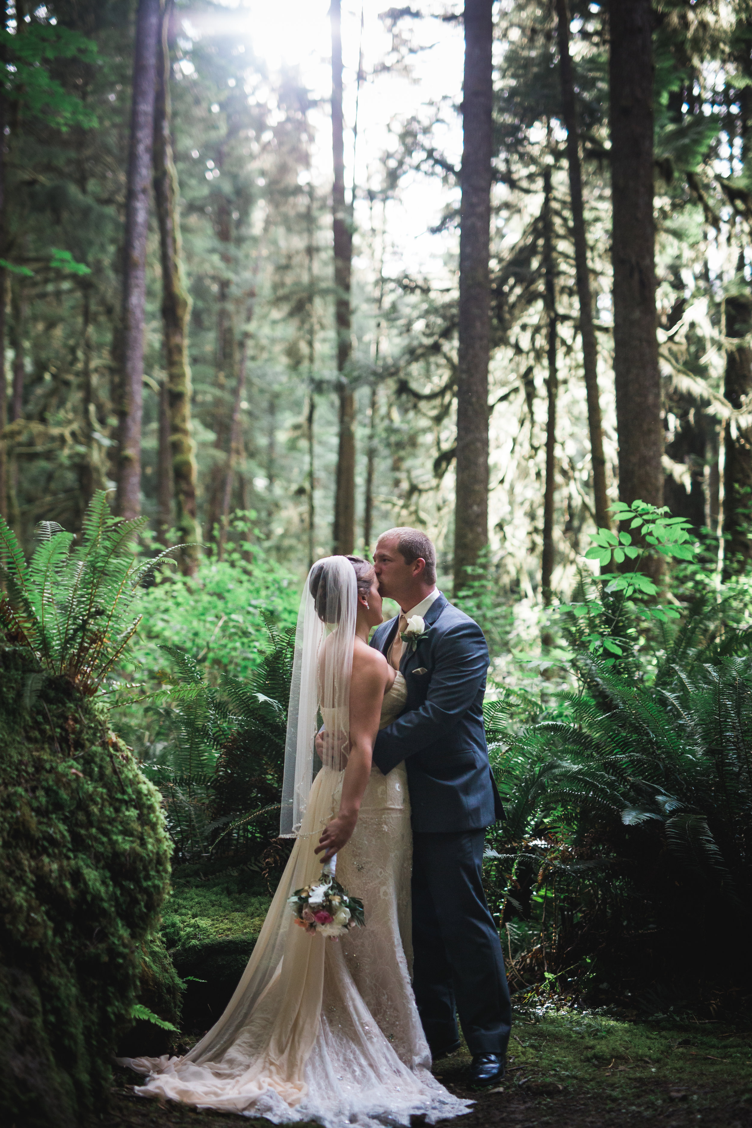west coast wilderness lodge wedding photographer, jennifer picard wedding photographer, sunshine coast bc wedding photographer