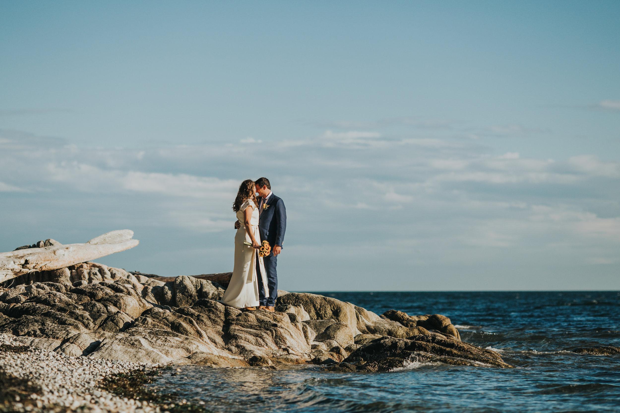 Roberts Creek Backyard Wedding, Roberts Creek Wedding Photographer, Sunshine Coast Wedding Photographer