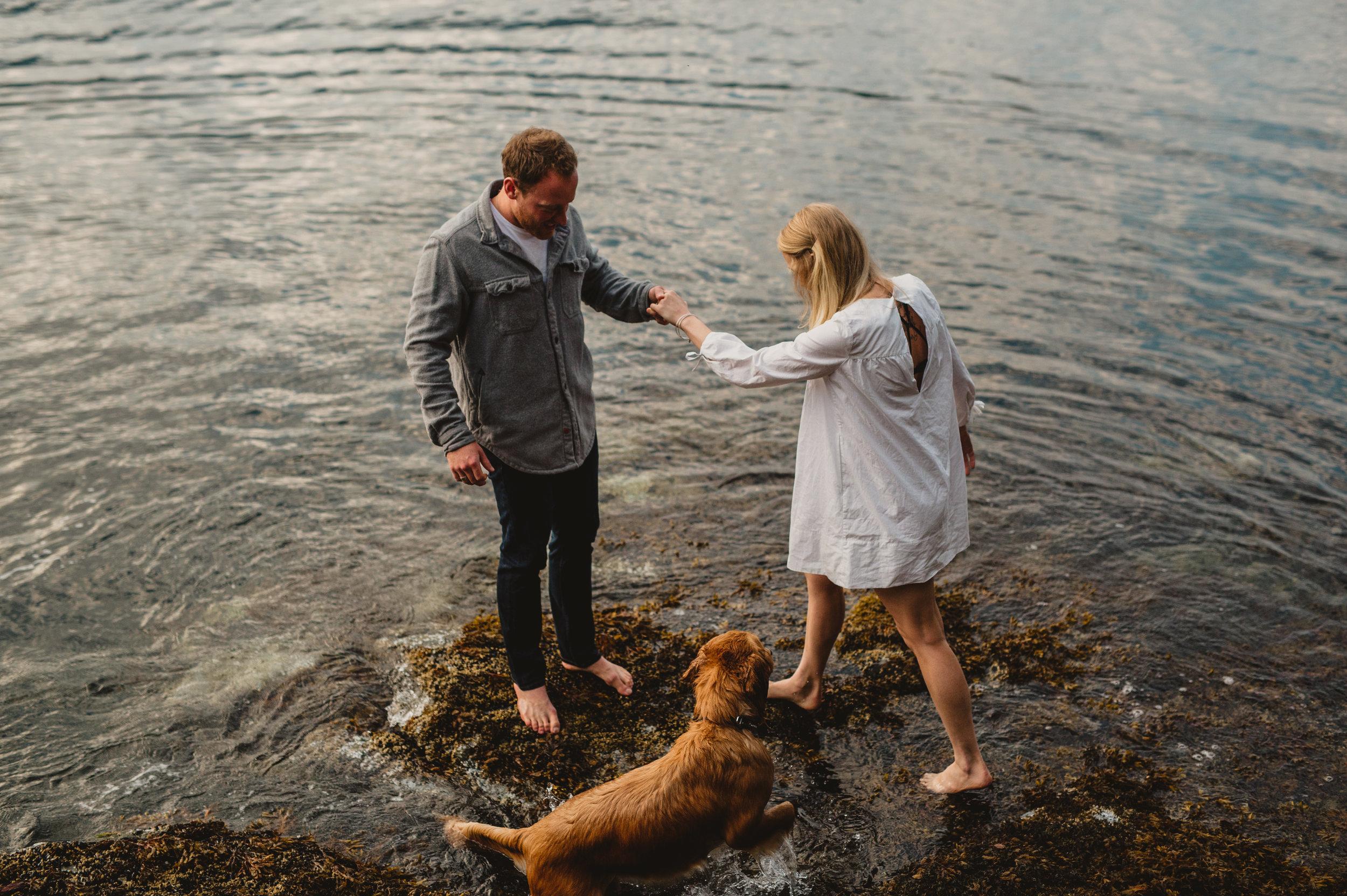 Keats Island Engagement Photos - Sunshine Coast Engagement Photos - Sunshine Coast Wedding Photographer - Vancovuer Wedding Photographer - Jennifer Picard Photography - IMG_0527.jpg