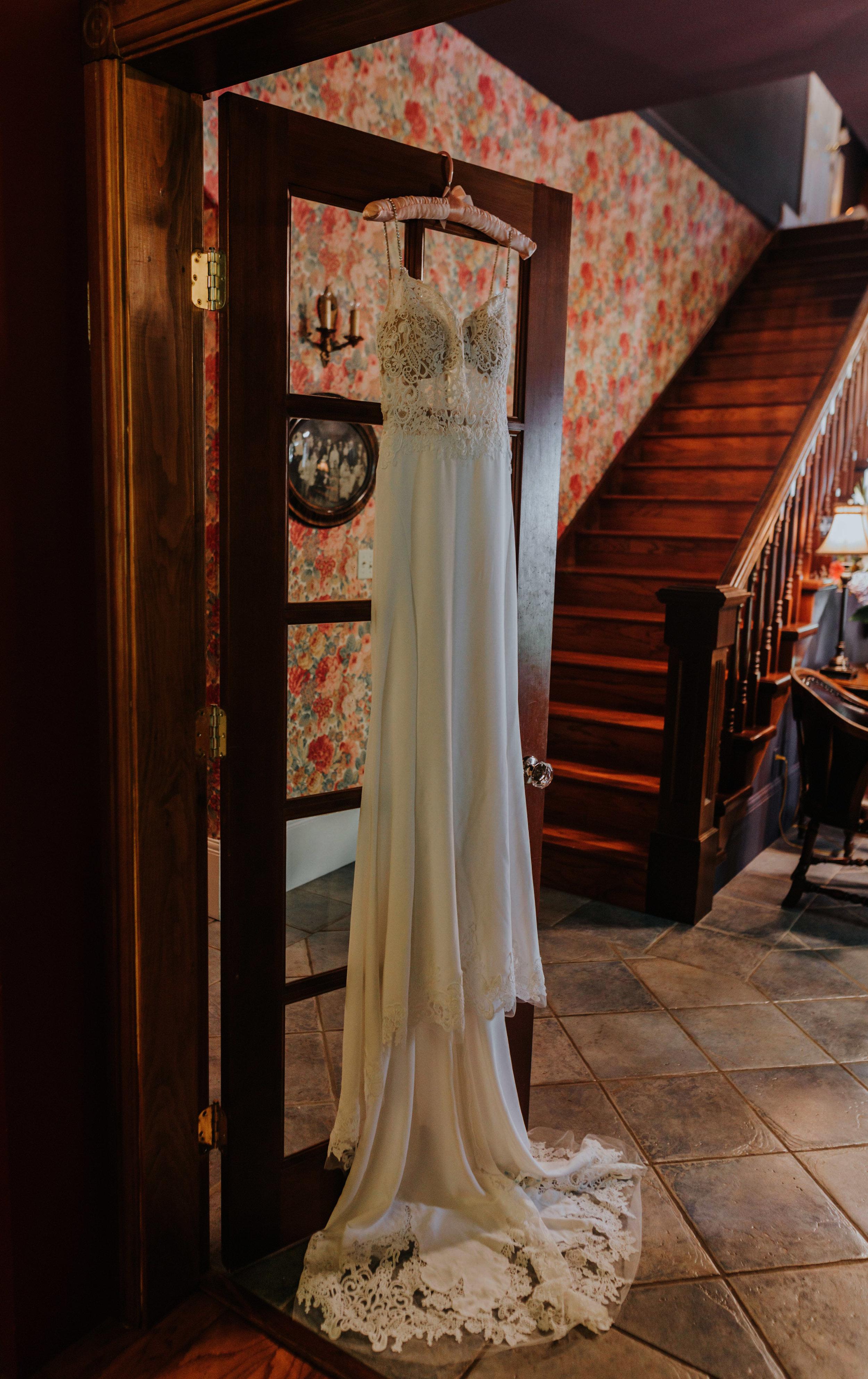 Linwood House Wedding Photos - Roberts Creek Wedding Photos - Vancouver Wedding Photographer & Videographer - Sunshine Coast Wedding Photos - Sunshine Coast Wedding Photographer - Jennifer Picard Photography - Vintage Wedding Venue