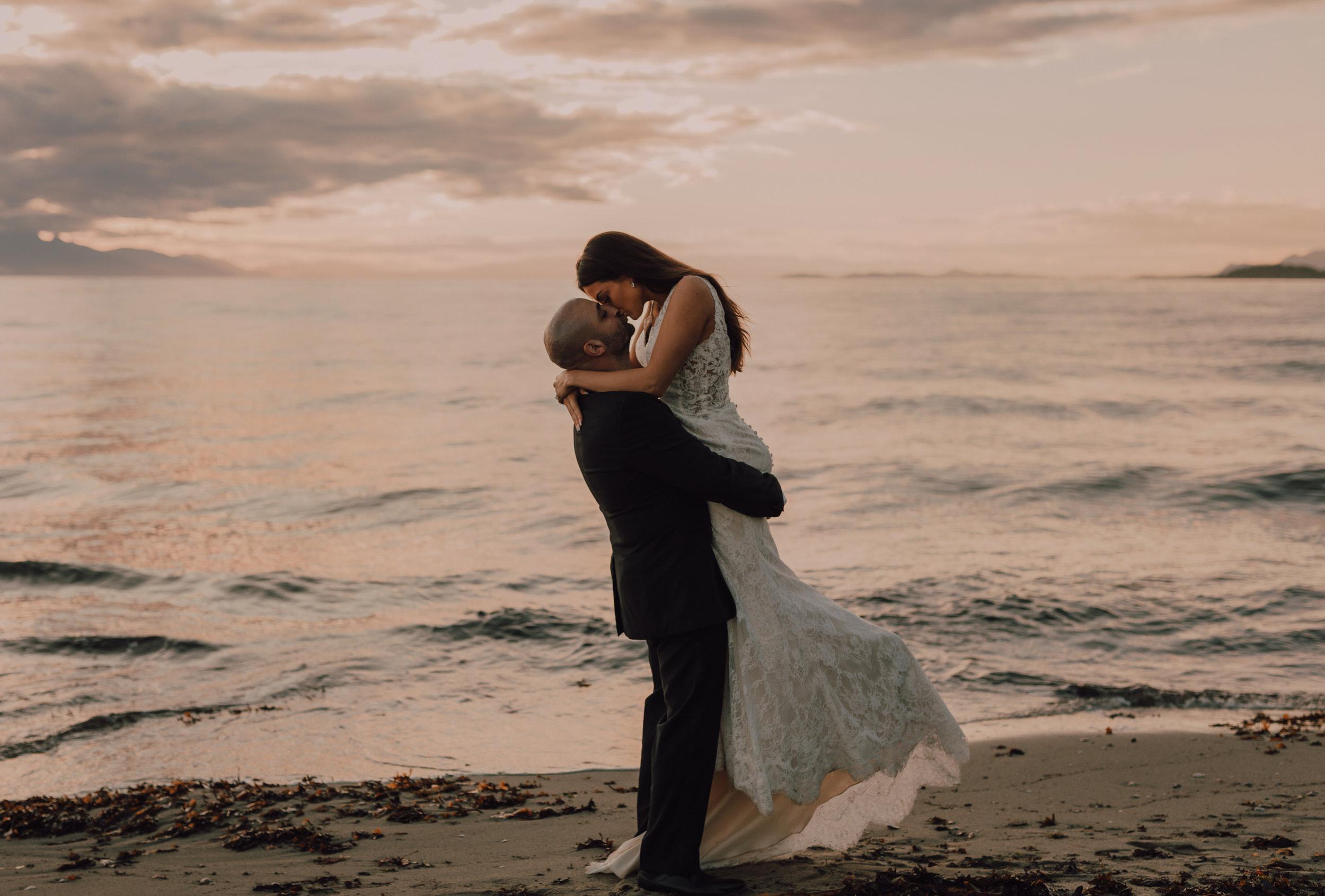 Day After Wedding Photos - Sunshine Coast Wedding Photos - Sunset Wedding Photos - Vancouver Wedding Photographer & Videographer - Sunshine Coast Wedding Photos - Sunshine Coast Wedding Photographer - Jennifer Picard Photography - 1A5A9345.jpg