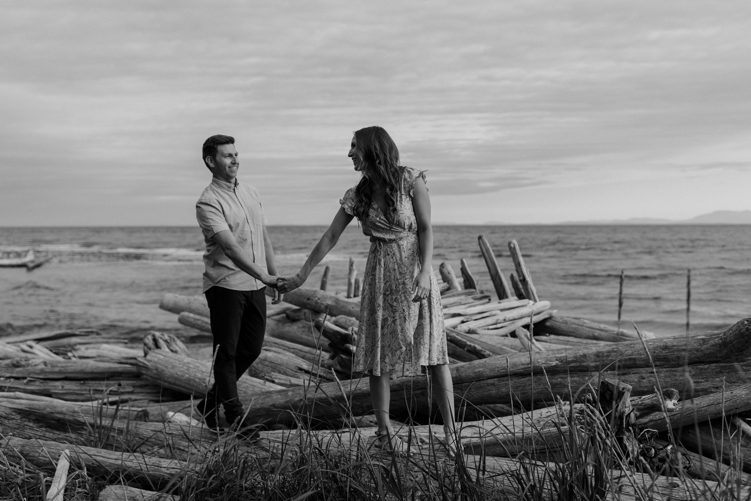 Sunshine Coast sunset engagement photos at the beach with Katelyn and Travis
