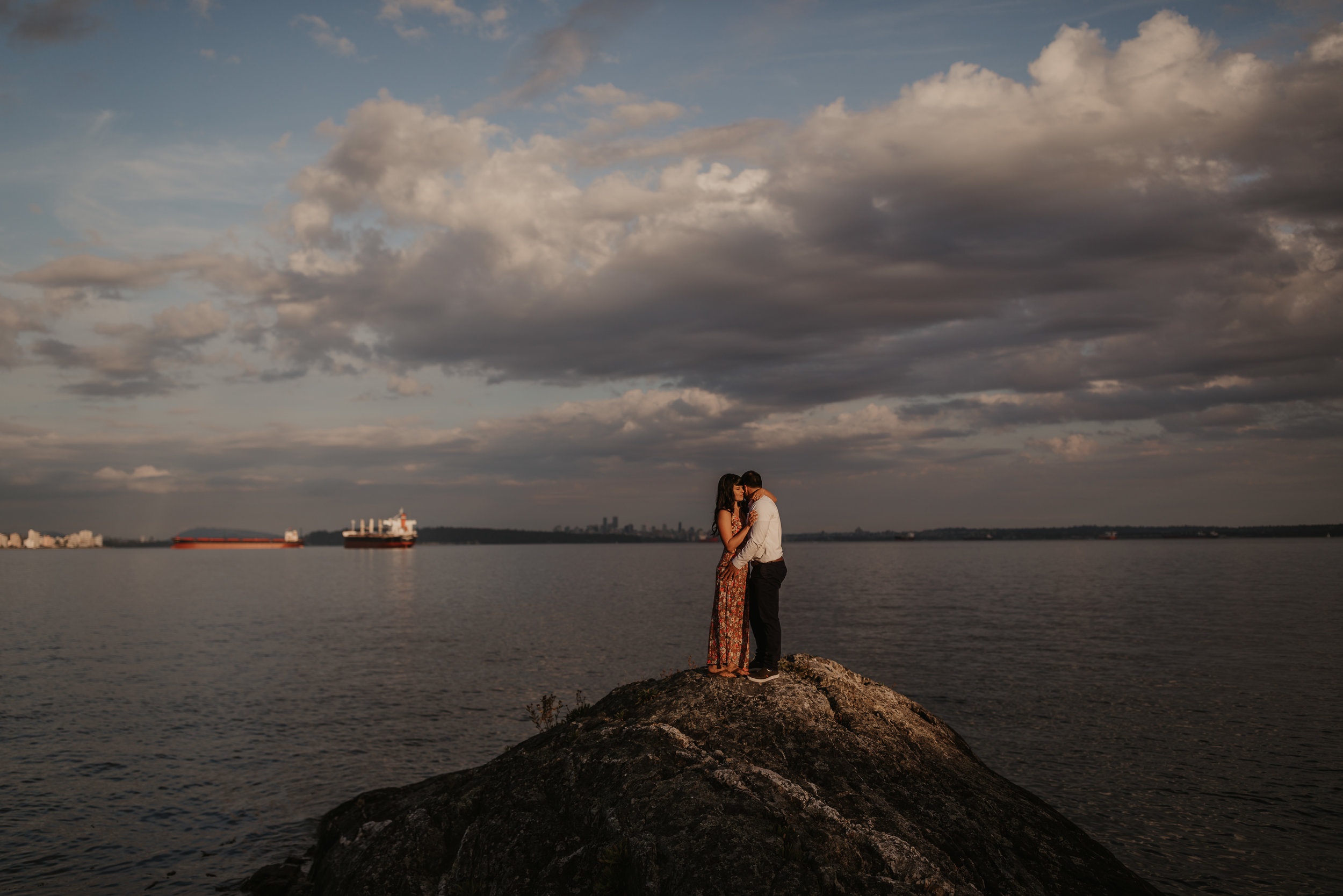 Engagement Photos in West Vancouver at Sunset in Caulfield Park with Riley and Alessio