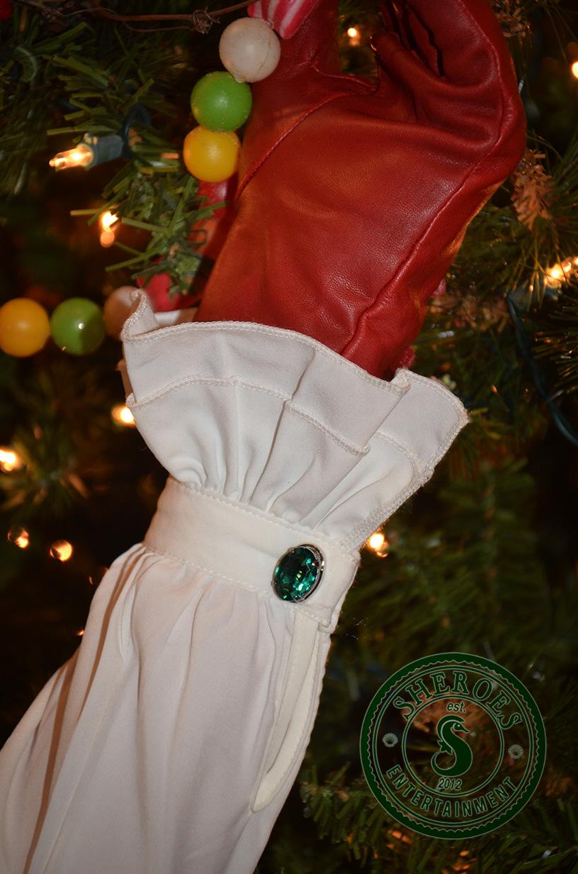 Christmas-Girl-Glove.jpg