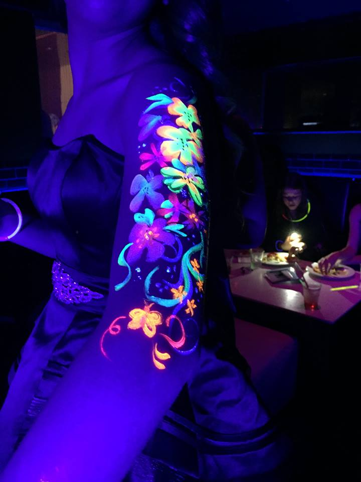 Blacklight UV Glow in the Dark Face Painting