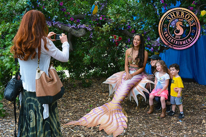 Los-Angeles-Professional-Mermaid-Photo-with-Family.jpg