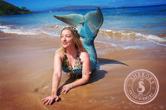 Professional-Mermaid-Rachel-of-Sacramento-at-Beach.jpg