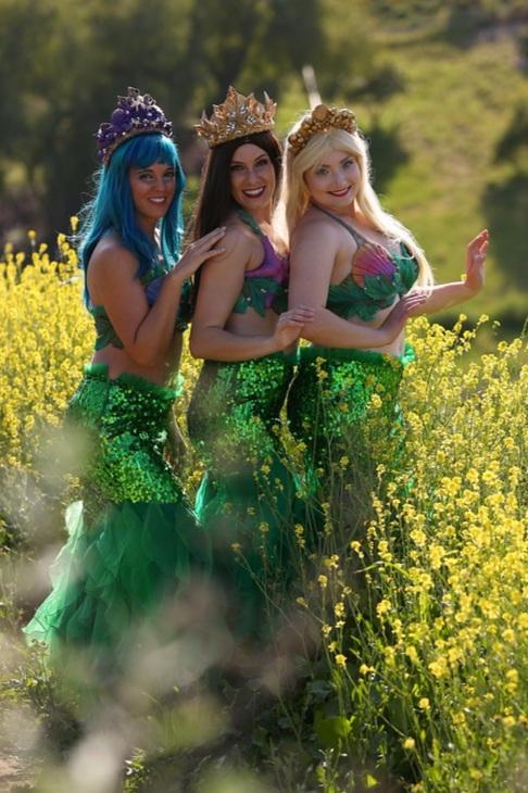 "Walking-Style ""Avalon"" Mermaids"