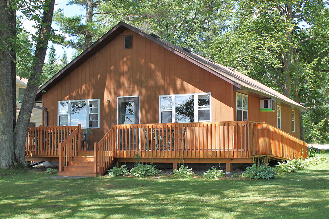 Cabin8 Ext 2016.png
