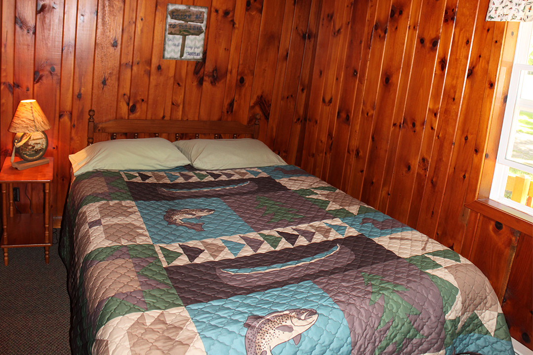 Cabin 7 bedroom 2017.jpg