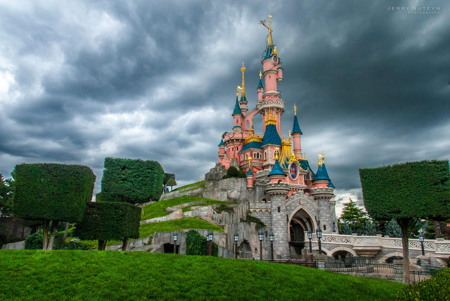Disneyland-Paris-01.jpg