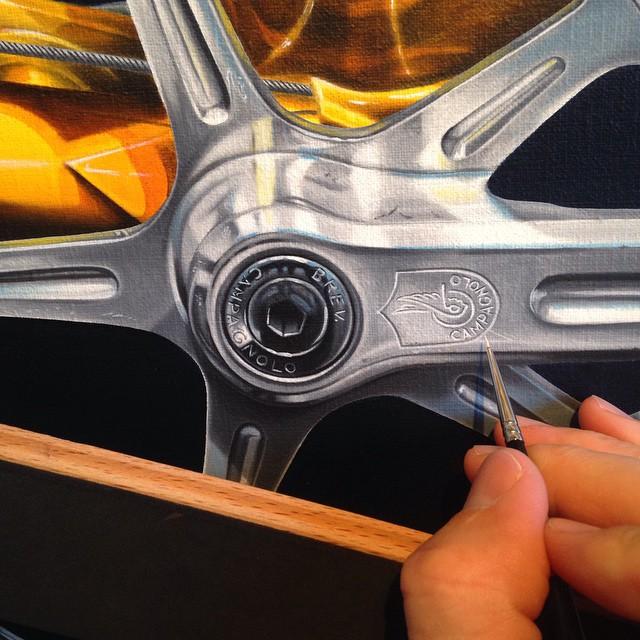 Engraving detail on crankset - Jaune - Nickalas Blades
