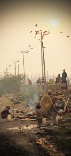 India Delhi railway cropped.jpg