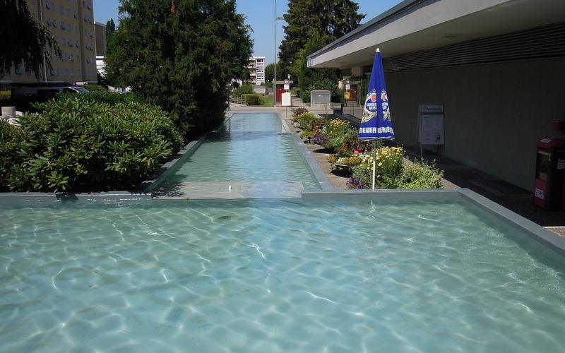 Wasserbecken / Pools