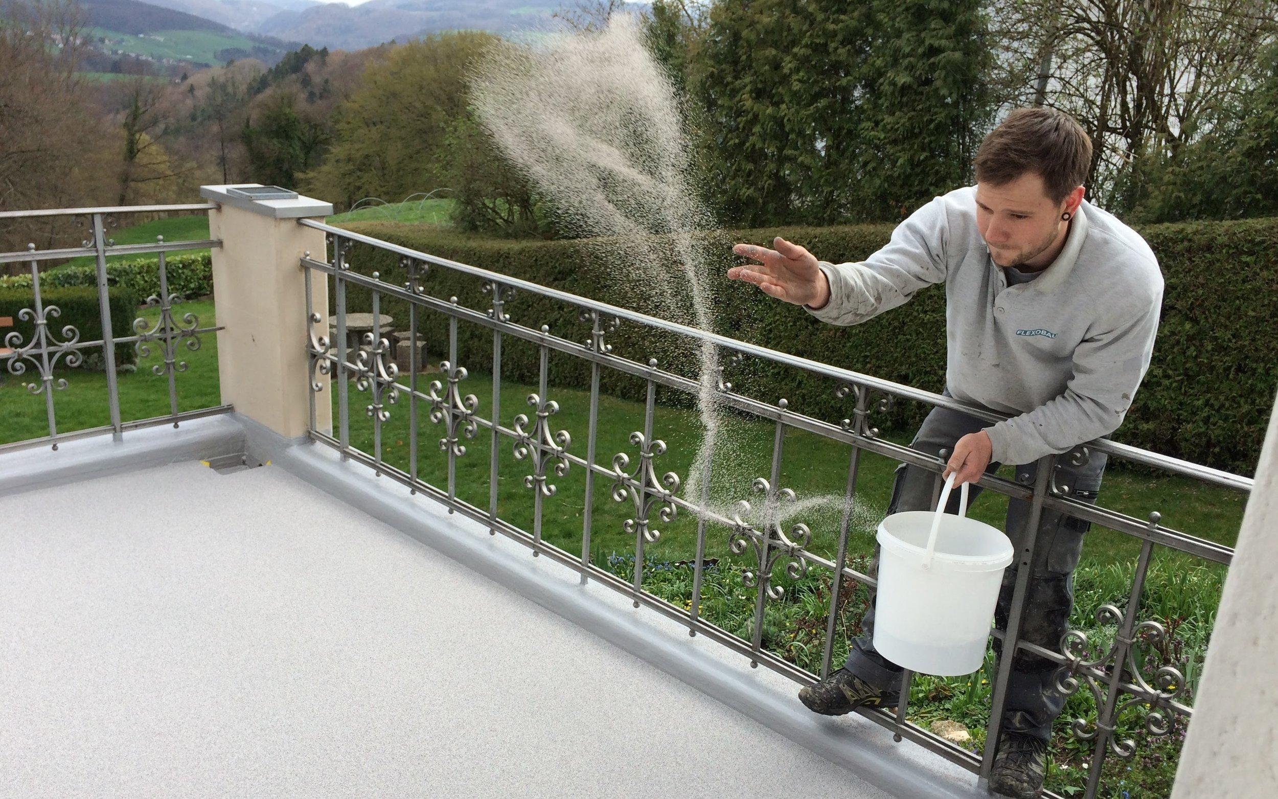 Flachdachsanierung-mit-Flüssigkunststoff-8.jpg