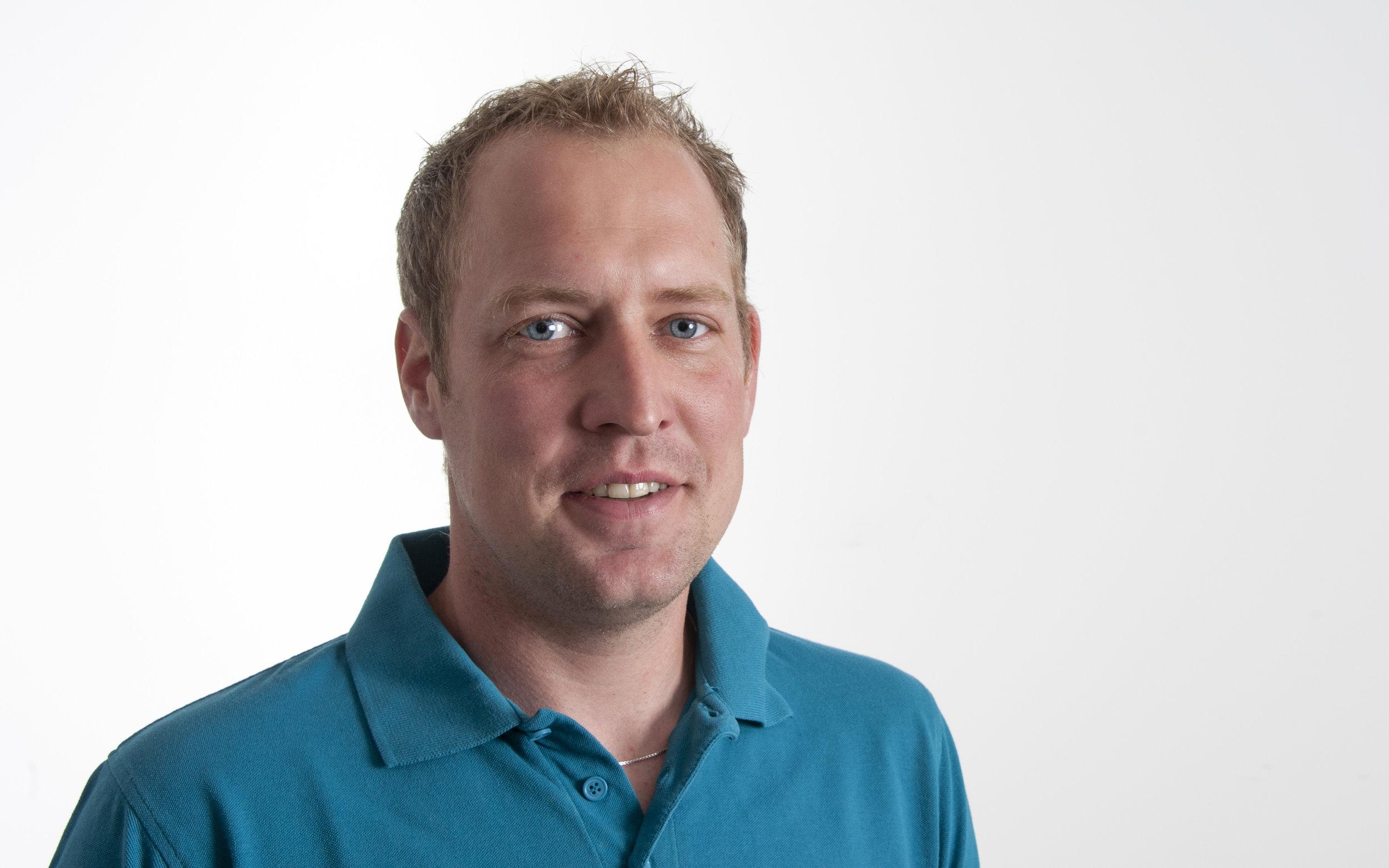 Michael Beutler Flüssigkunststoff-Spezialist m.beutler@flexobau.ch