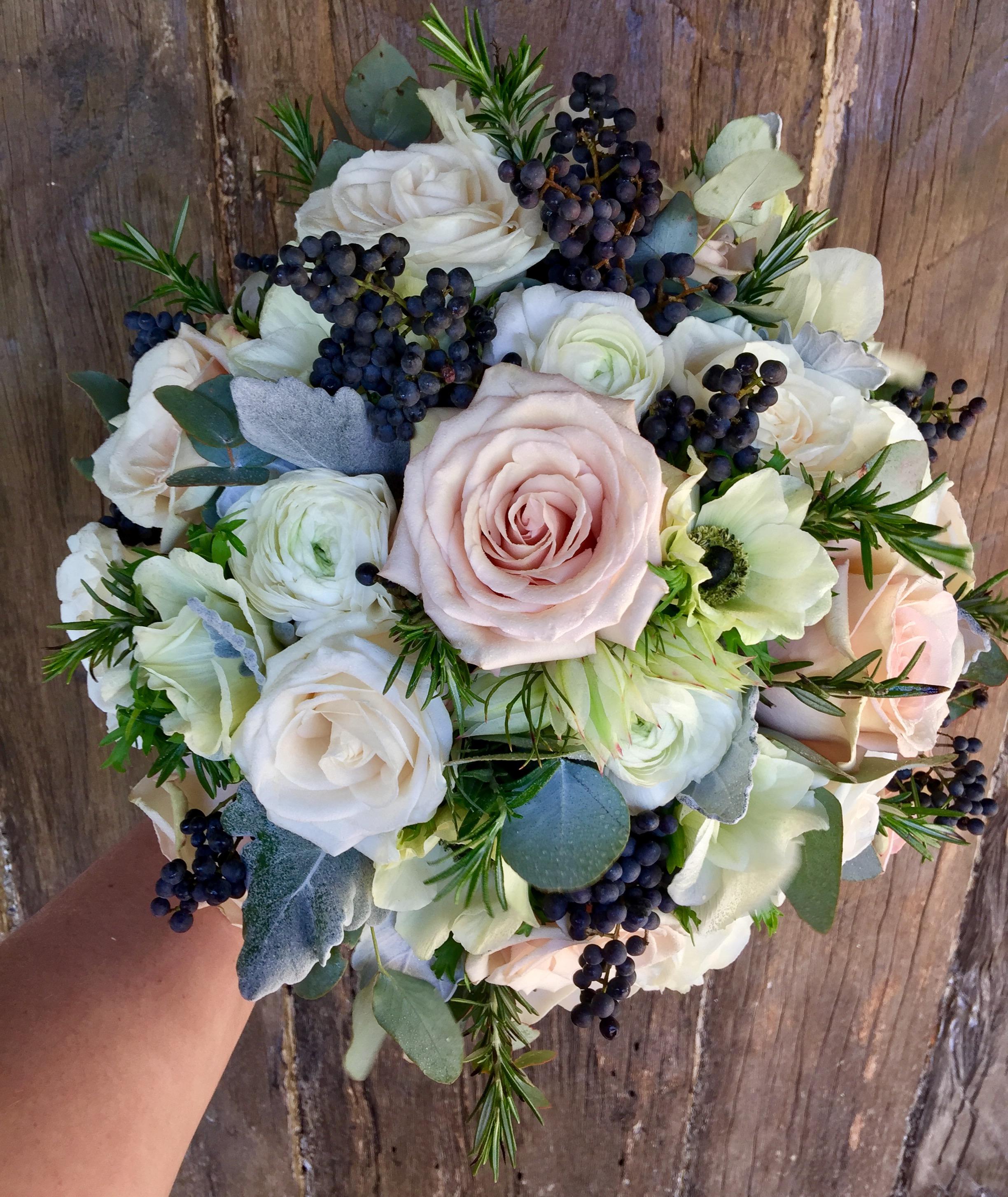 anemone ranunc sahara berry bride.JPG