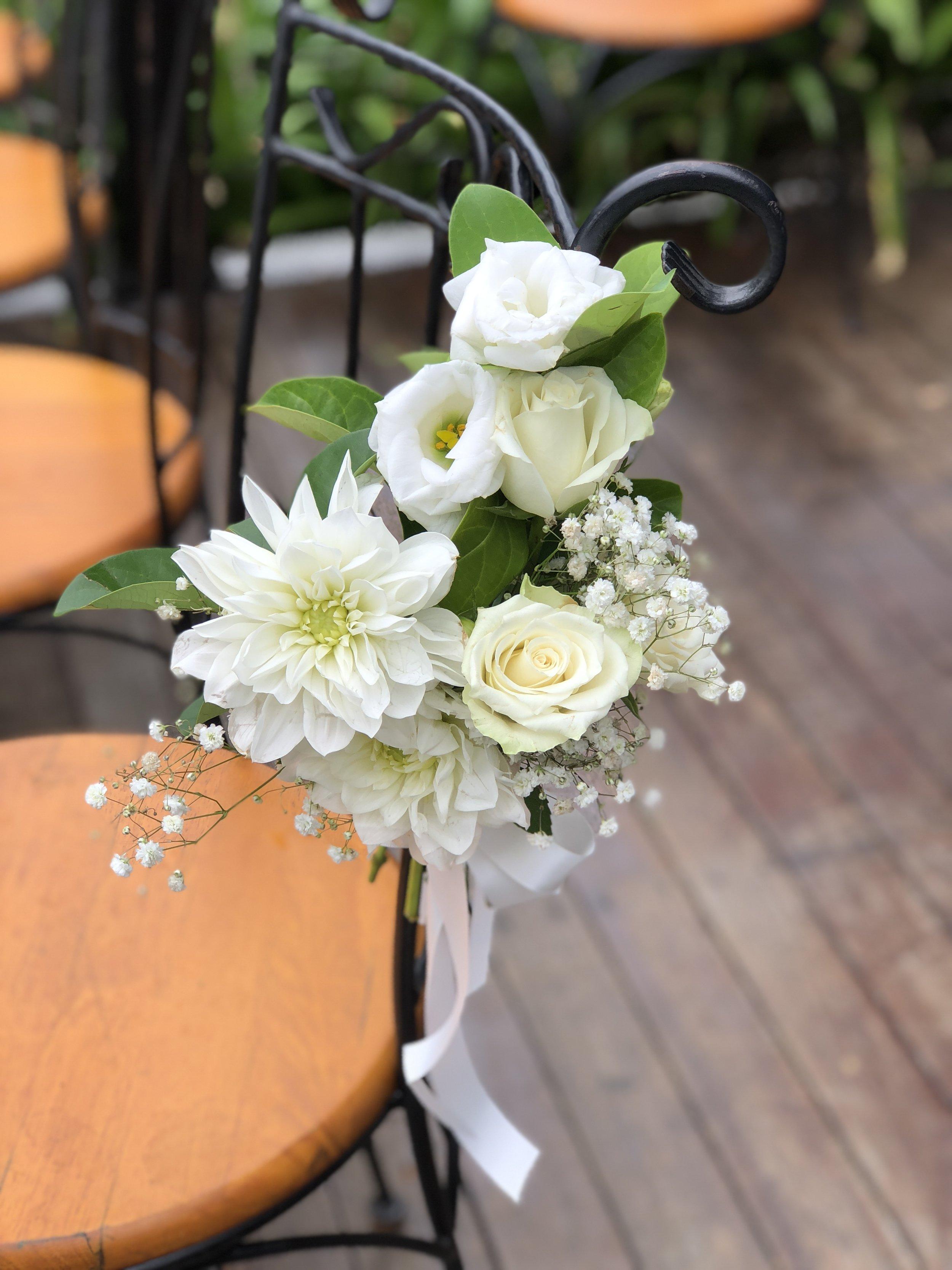 pew flowers small sheaf2.JPG