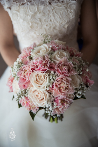 Julie and Steven - Hi Jessie - as promised, a few snaps from our photographer of the stunning flowers you and the team put together for our wedding day. We can't thank you enough! :) GM photgraphics